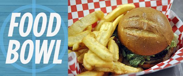 <b>Food Bowl:</b> Kennel eats