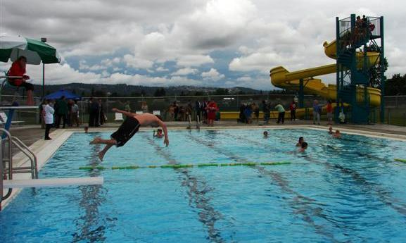 Park road pool stay cool in spokane area pools local guides the spokesman review for Park road swimming pool opening times