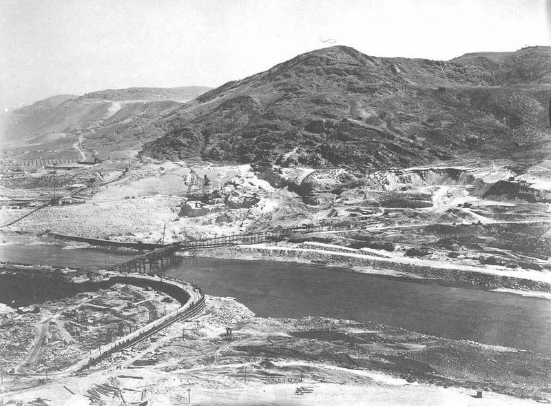 Grand Coulee Dam - The Grand Coulee from Ice Age to