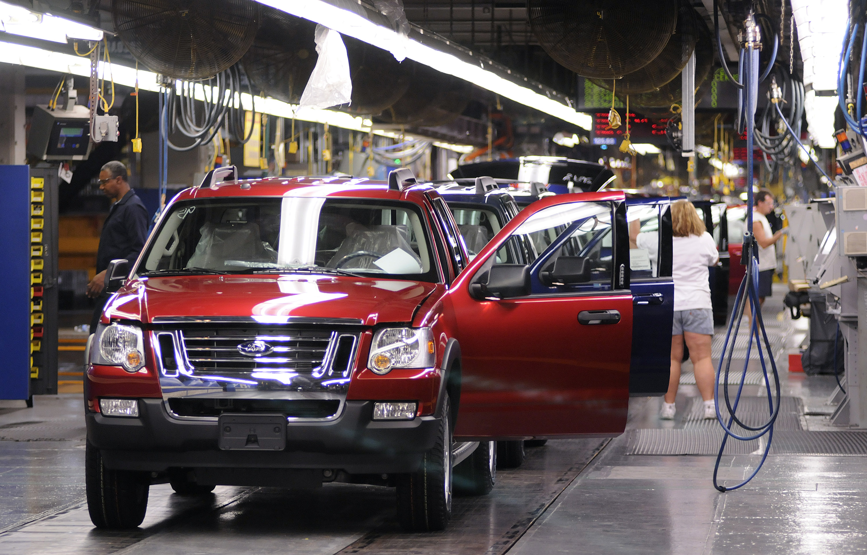 Ford Louisville Ky >> Ford Posts 8 67 Billion Loss For Second Quarter The