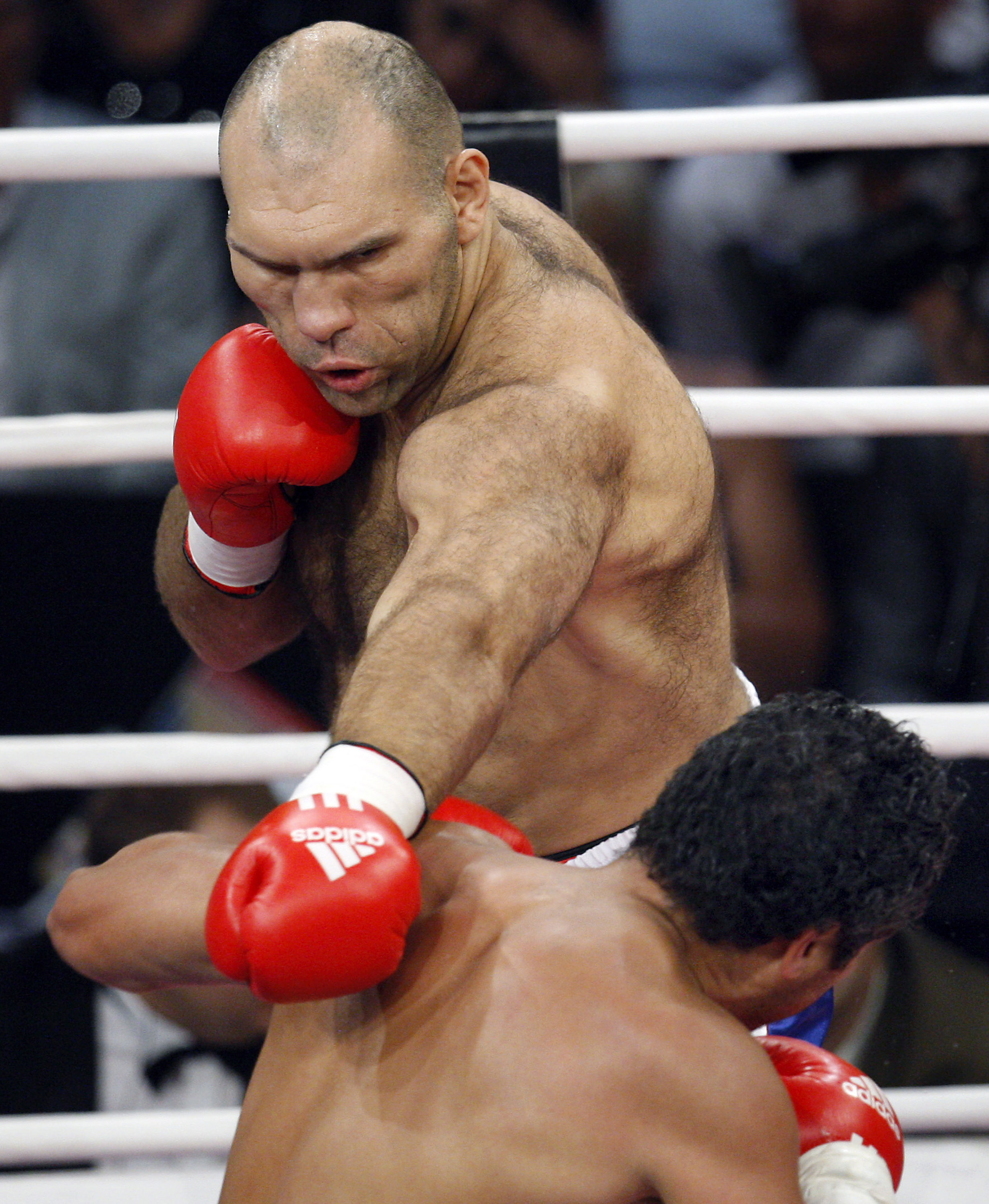 Valuev Takes Wba Title With Decision Over Ruiz The