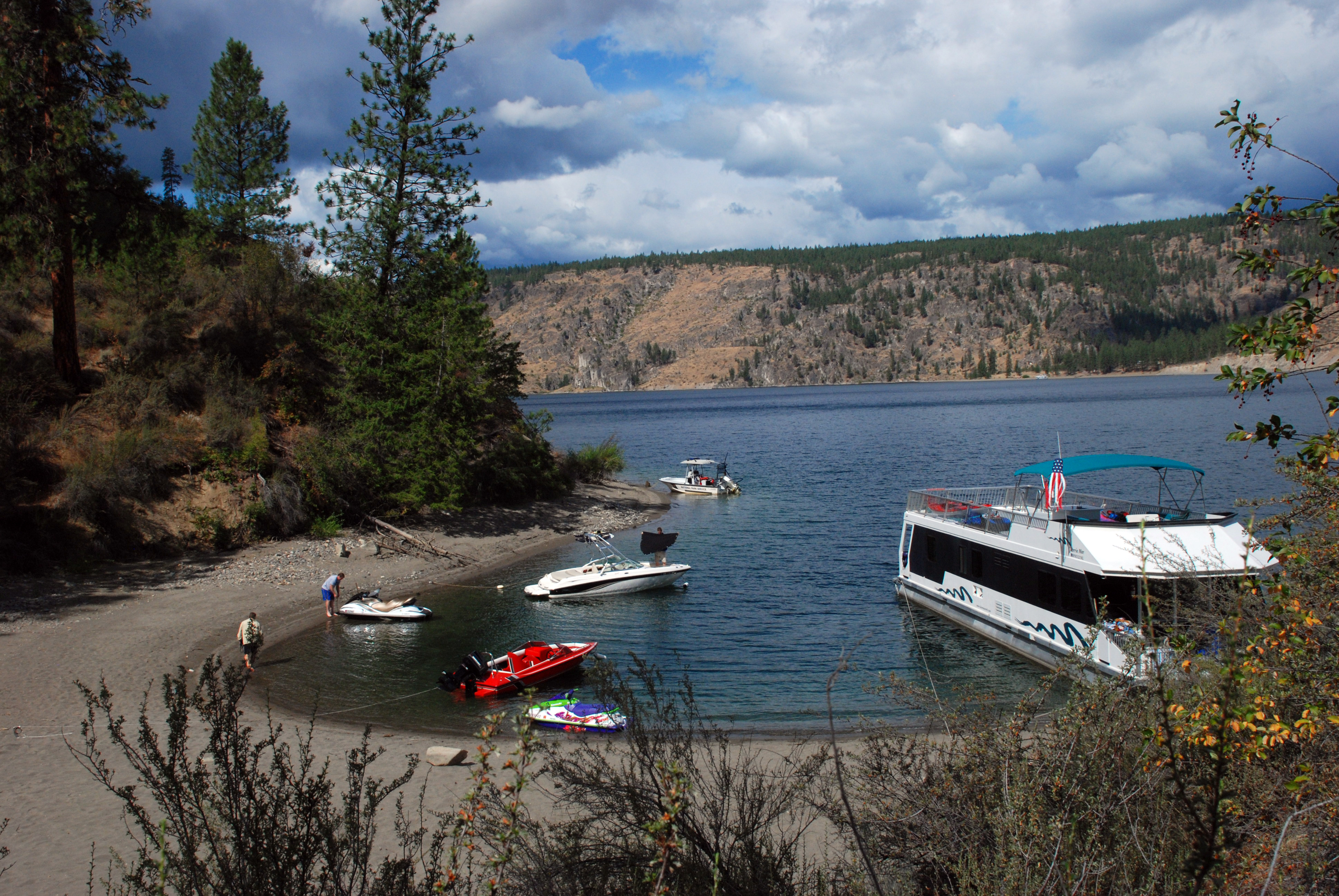 Lake Roosevelt Boat Launches Gated During Government Shutdown The
