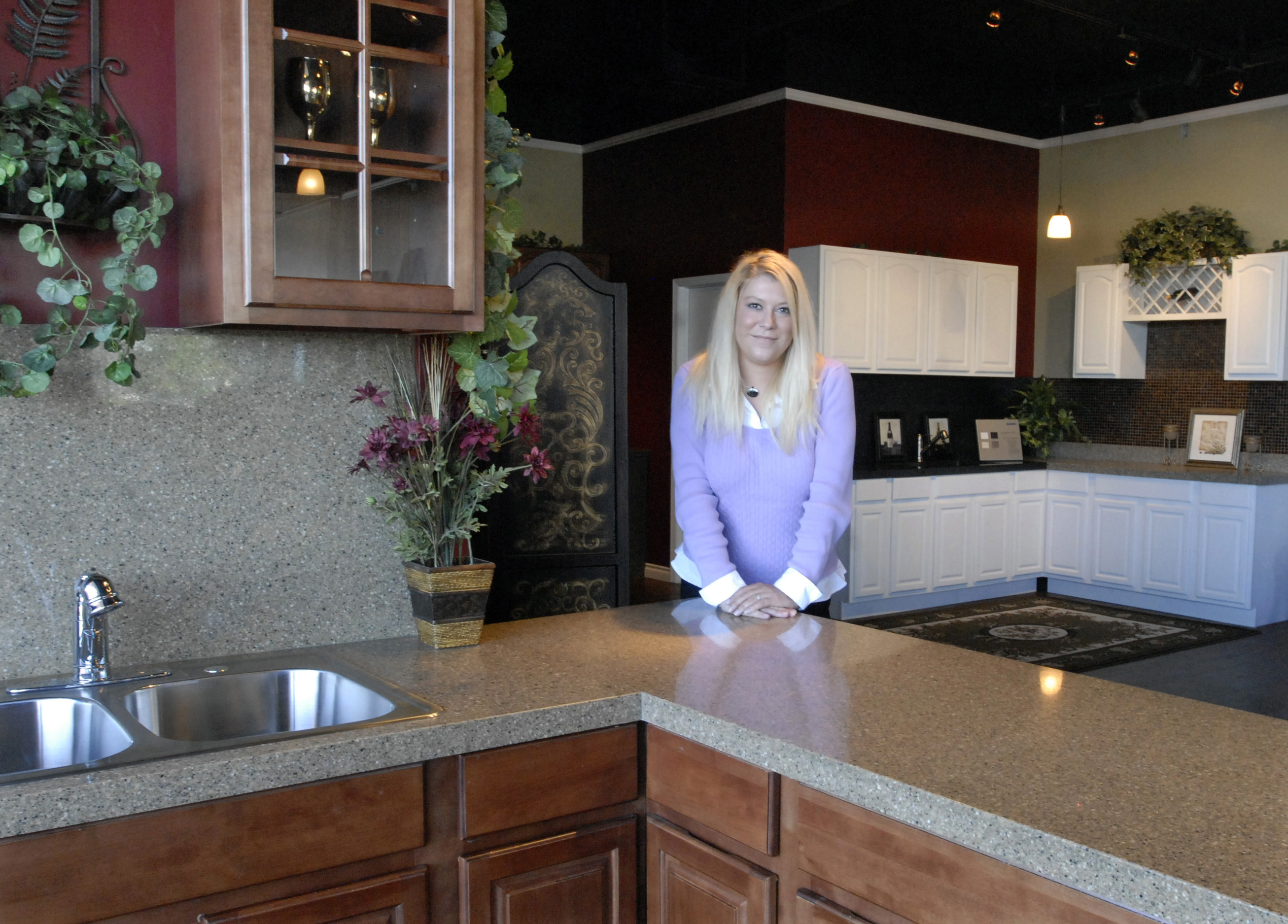 Lynee Jeffrey And Her Husband Mark Have Opened Granite Transformations At 1014 N Pines In