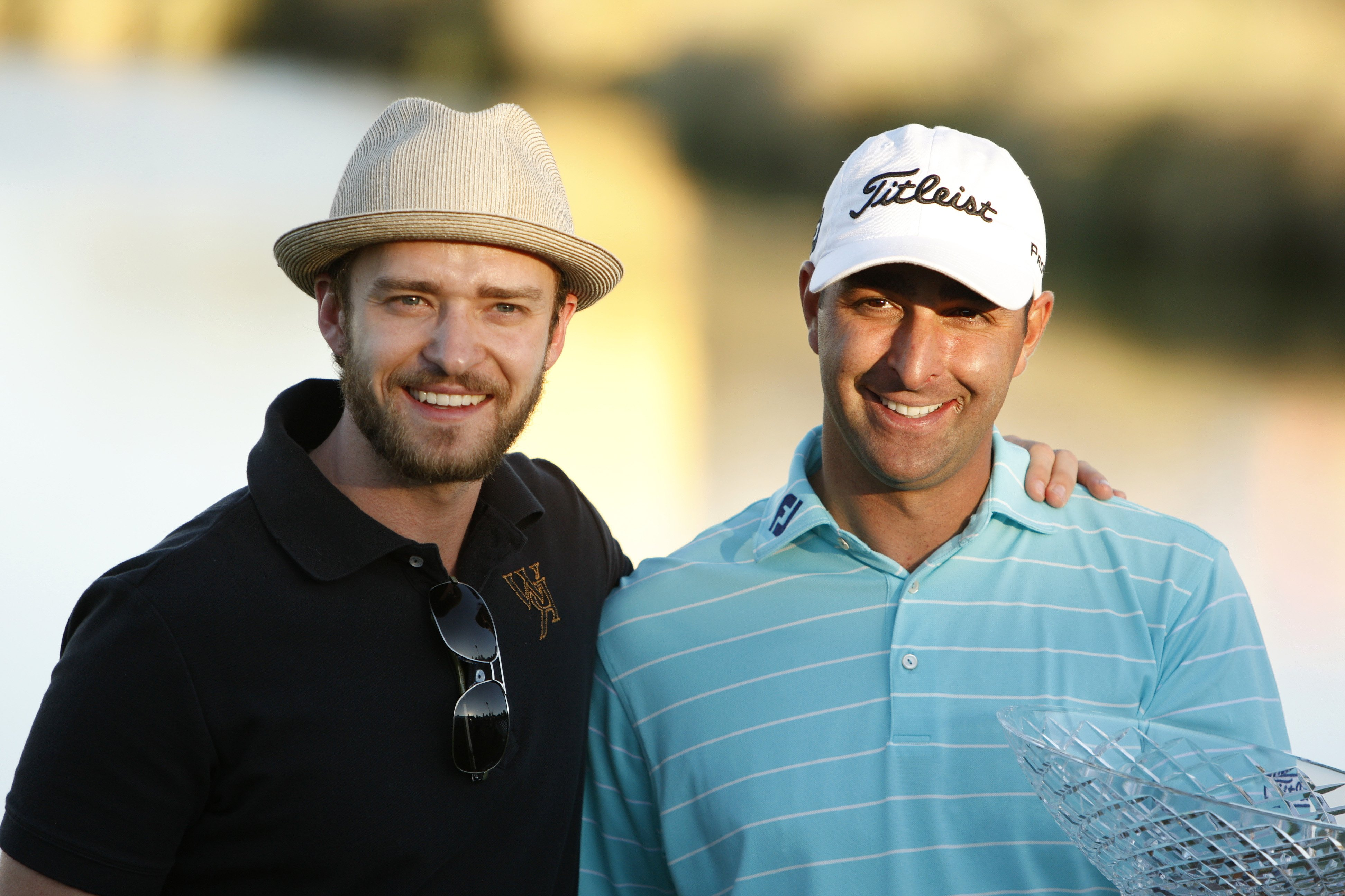 29121435fc8dd Rookie leads wire to wire for first PGA Tour title