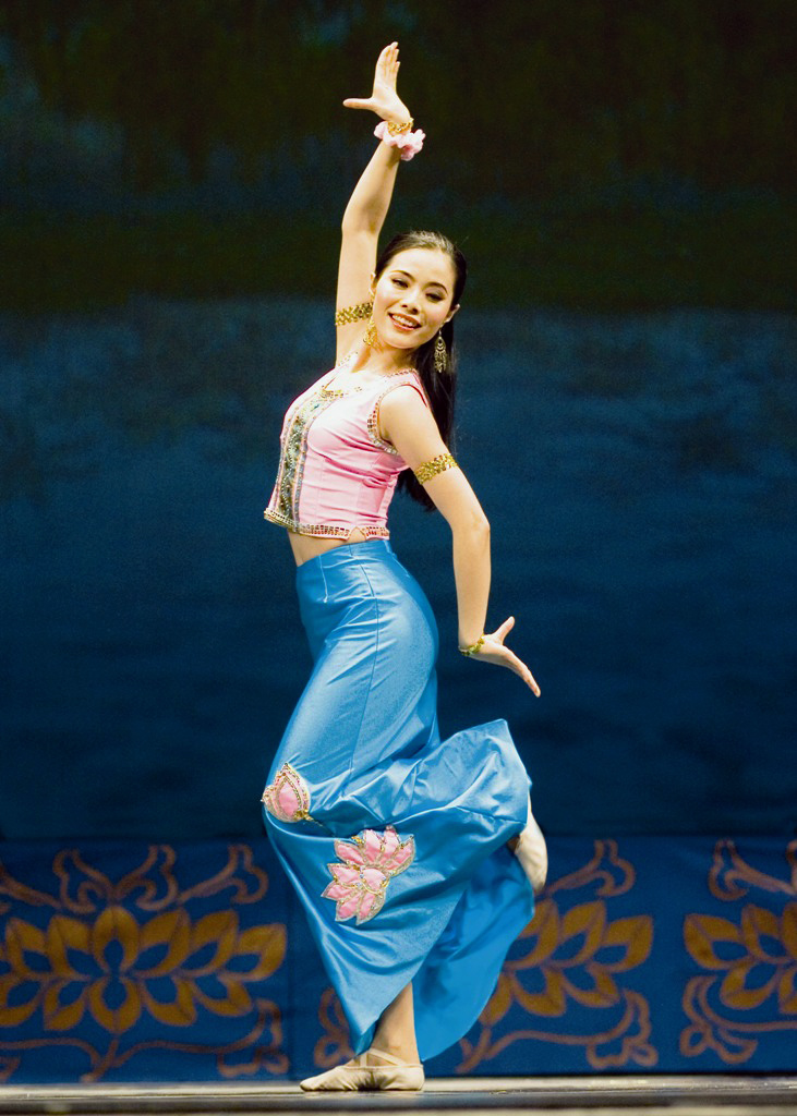 The latest Tweets from Shen Yun (@ShenYun). The world's premiere classical Chinese dance company, Shen Yun brings to life a lost culture through profoundly beautiful art. This is our Official account. Based in New YorkFollowing: K.