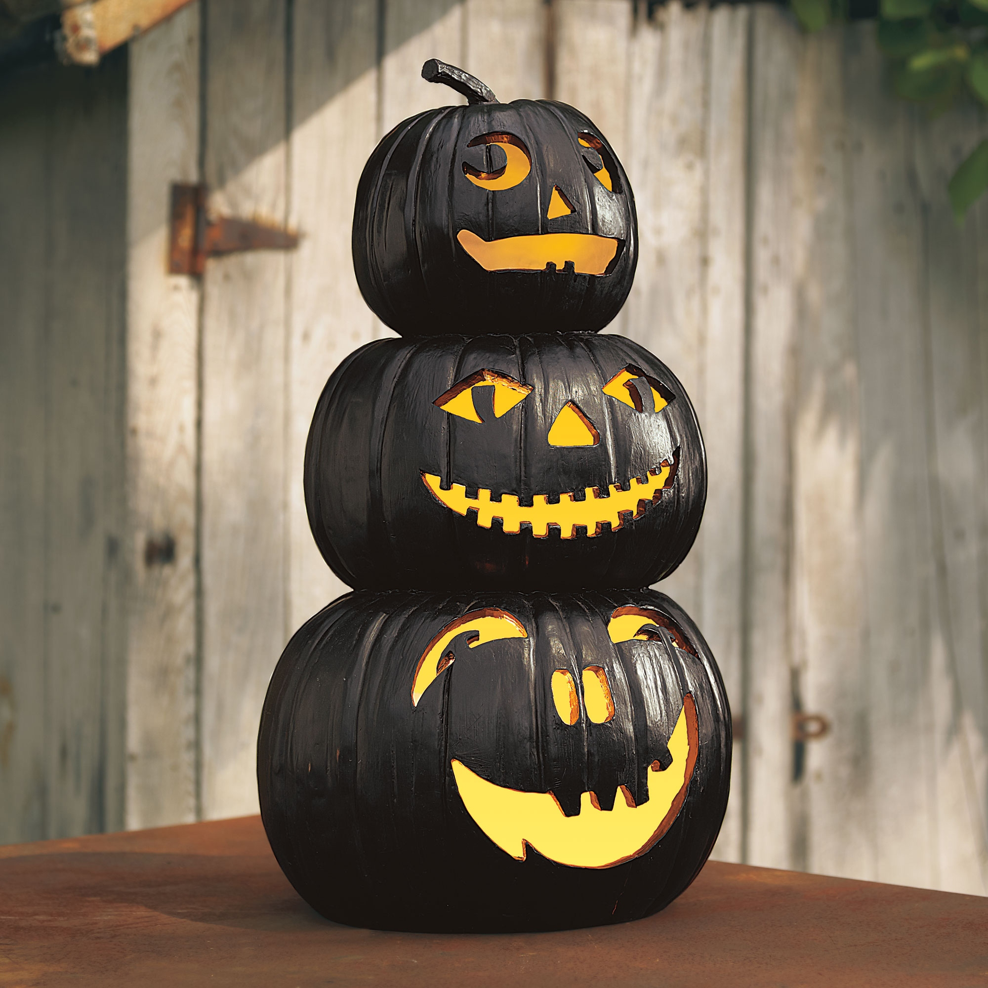 Finding the best in spooky d cor the spokesman review - Calabazas decoradas para halloween ...