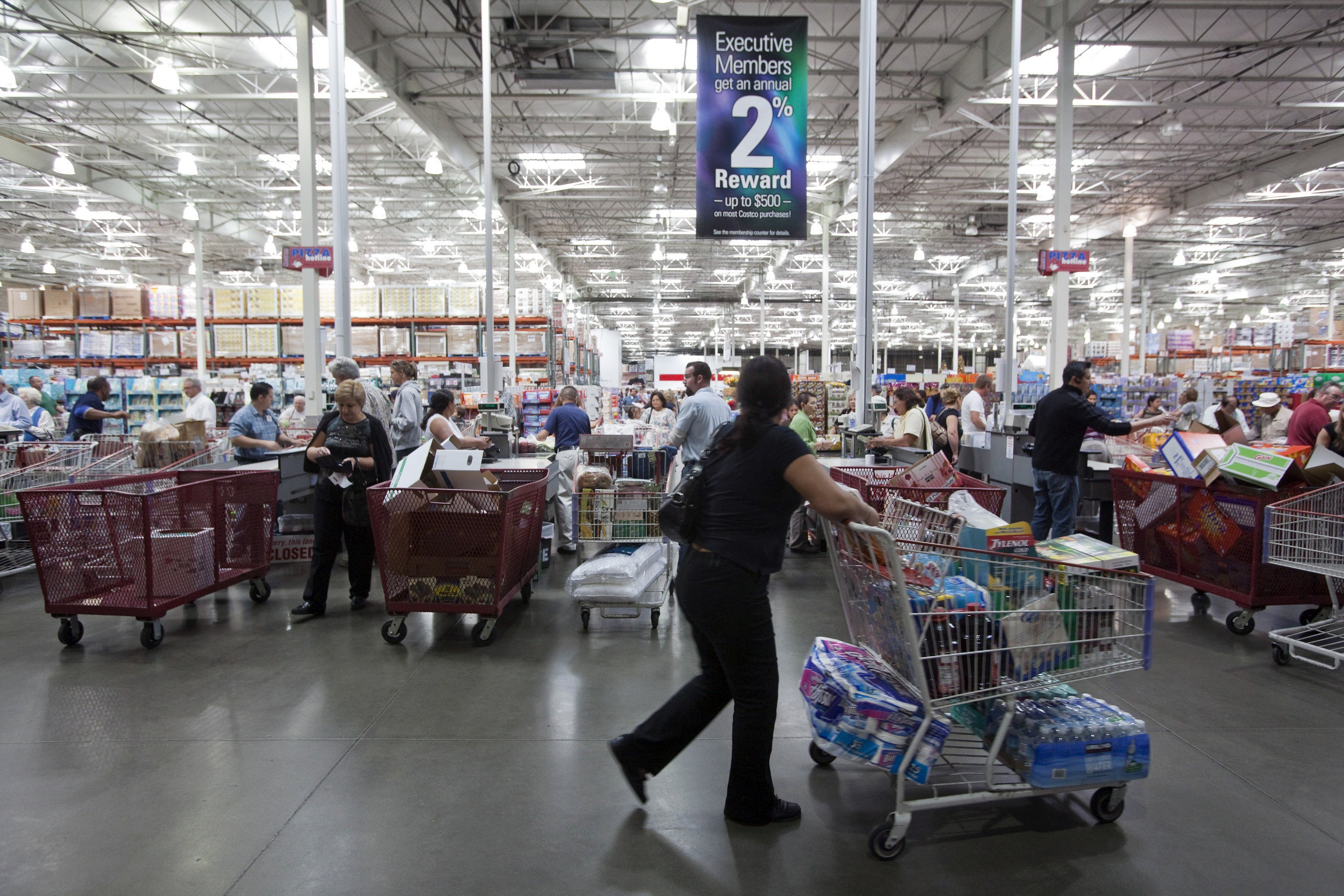 People Shop At The Costco Wholesale Store In Burbank Calif Said Wednesday It