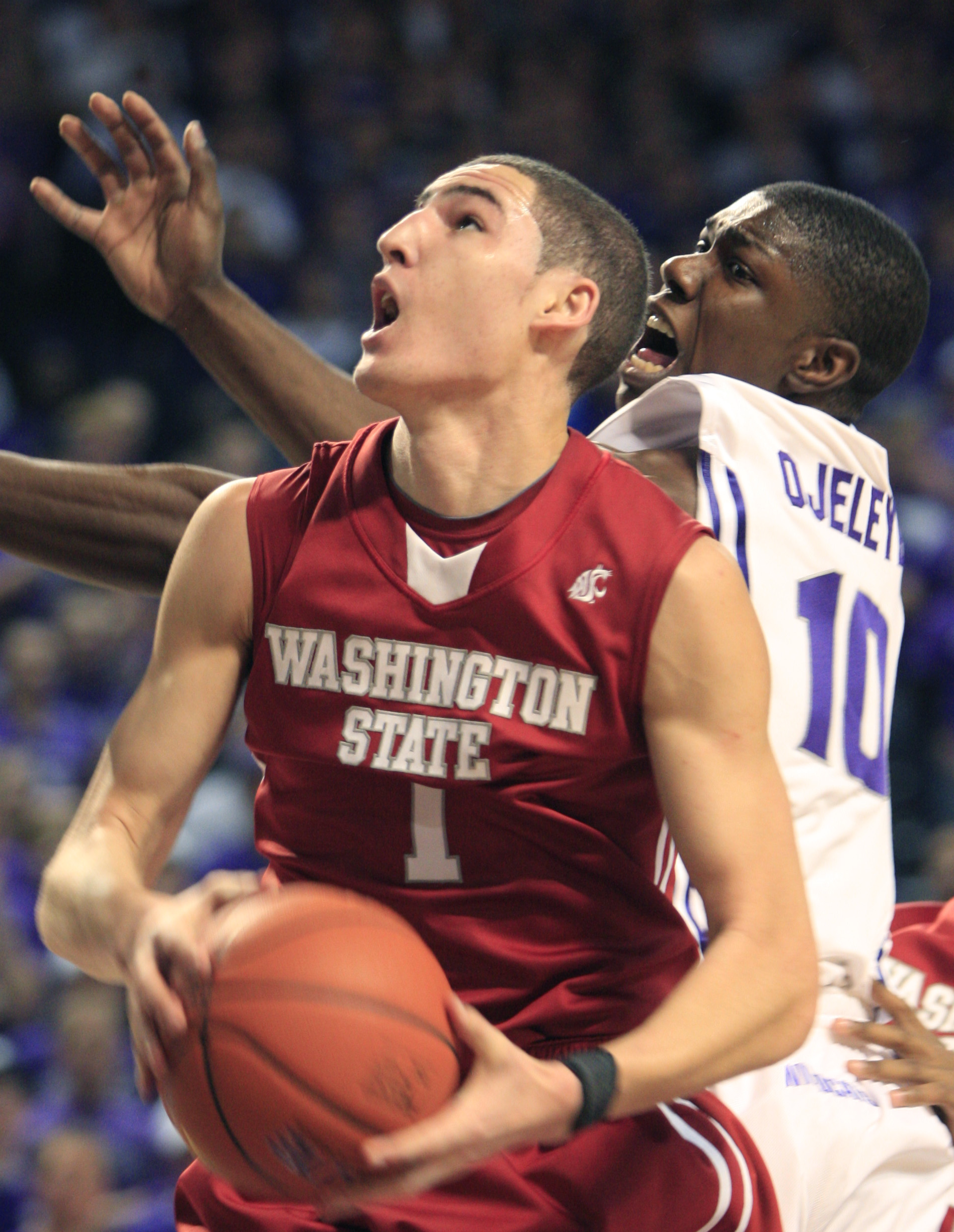 huge discount 423fd 4c1ed Cougs' top scorer encounters physical play   The Spokesman ...