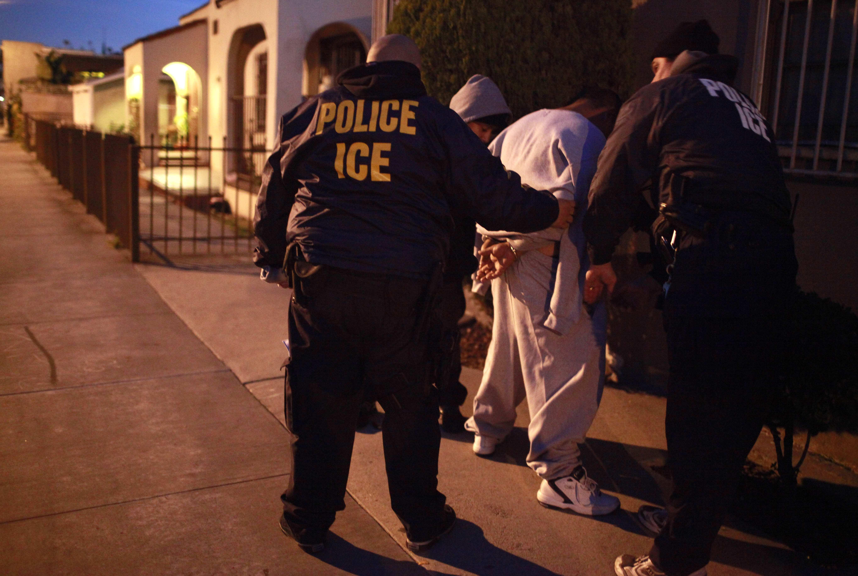 Immigration raids net 280 | The Spokesman-Review