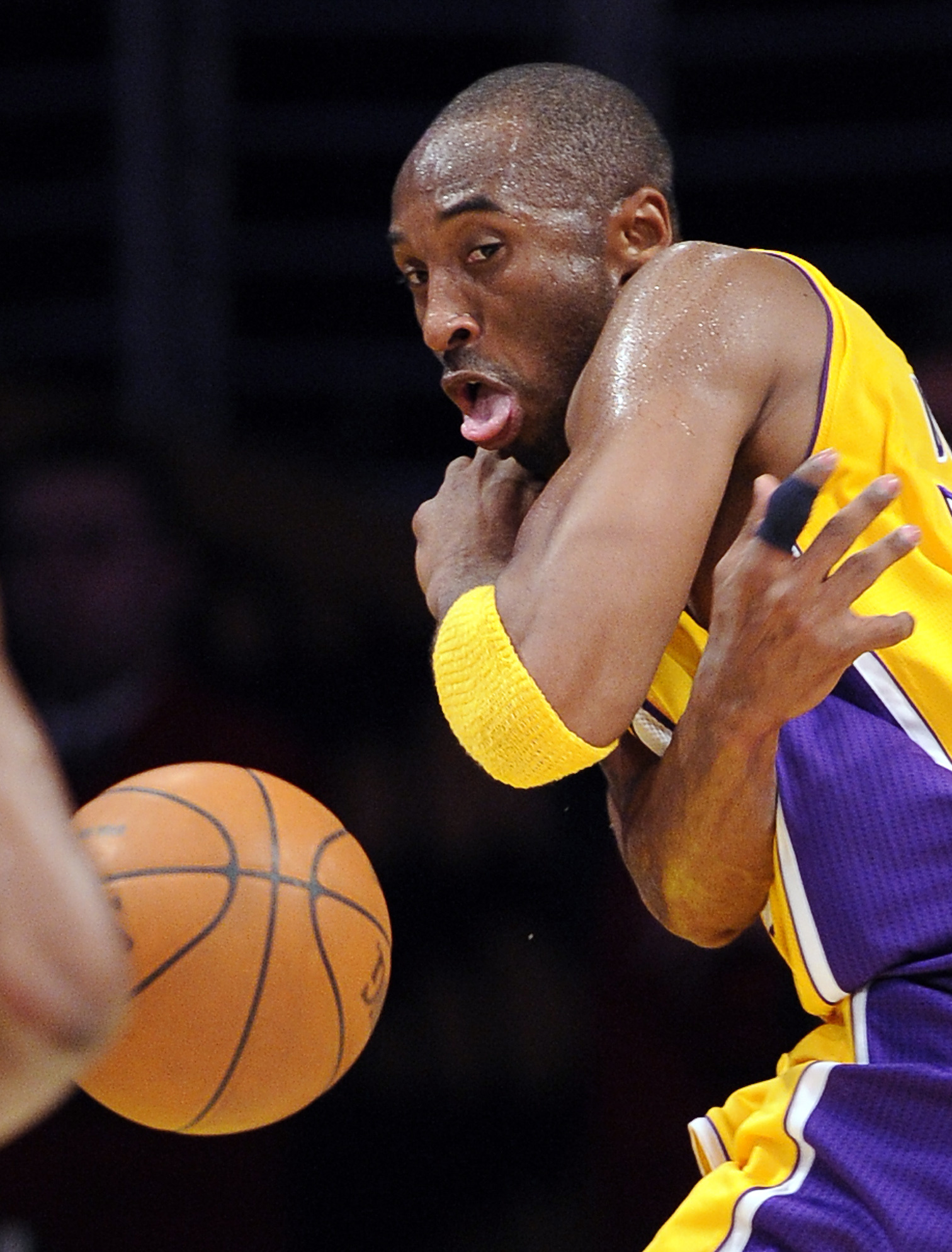 0977f1647d582f The Kobe Bryant-led Los Angeles Lakers are two-time defending NBA champions  entering