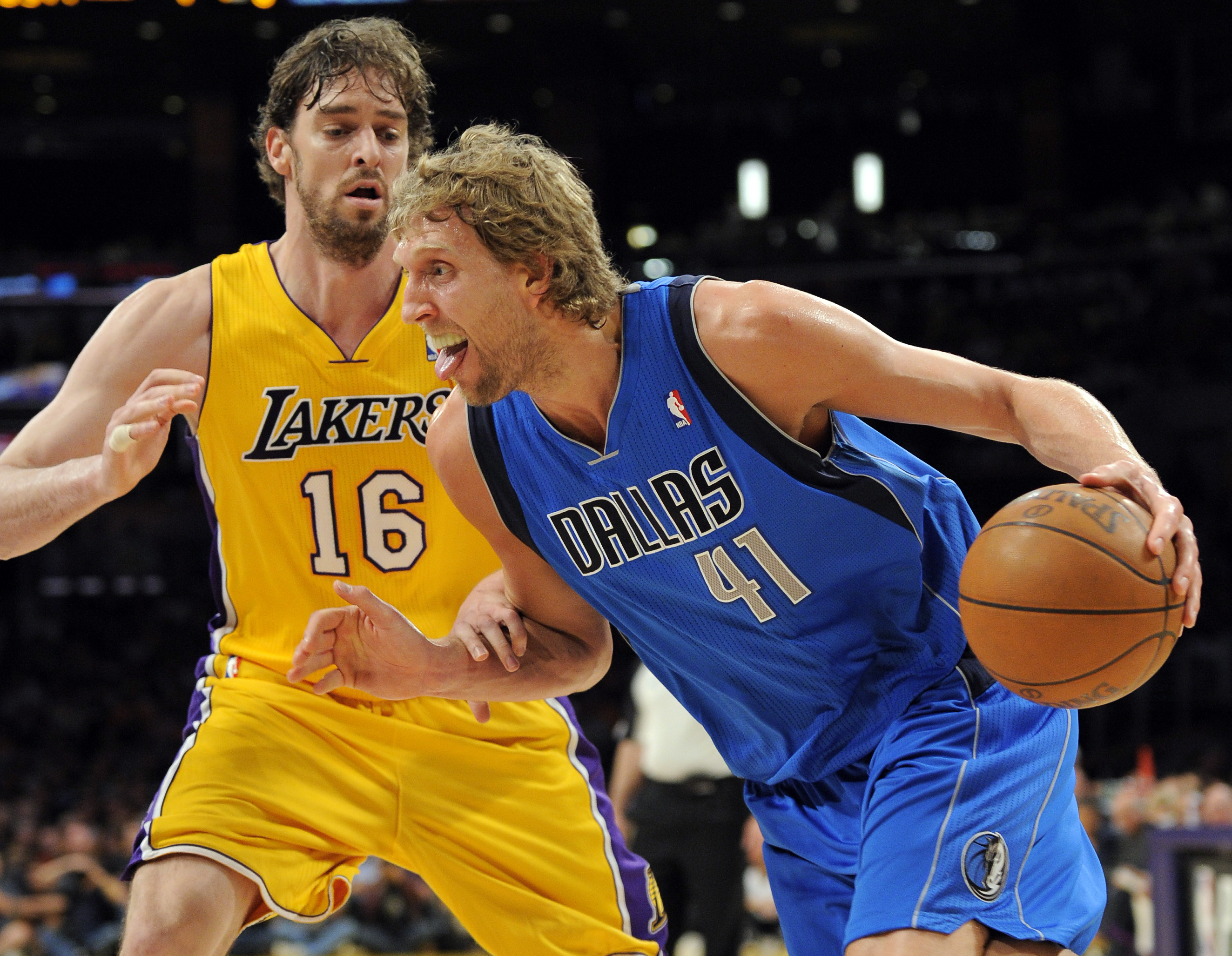 In Brief Mavericks Head To Dallas With 2 0 Edge On Lakers