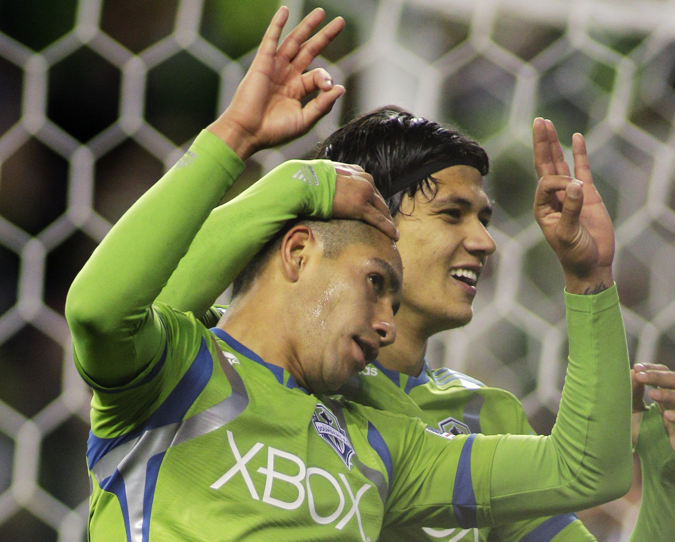 Estrada scores three goals in sounders opener the - David montero ...