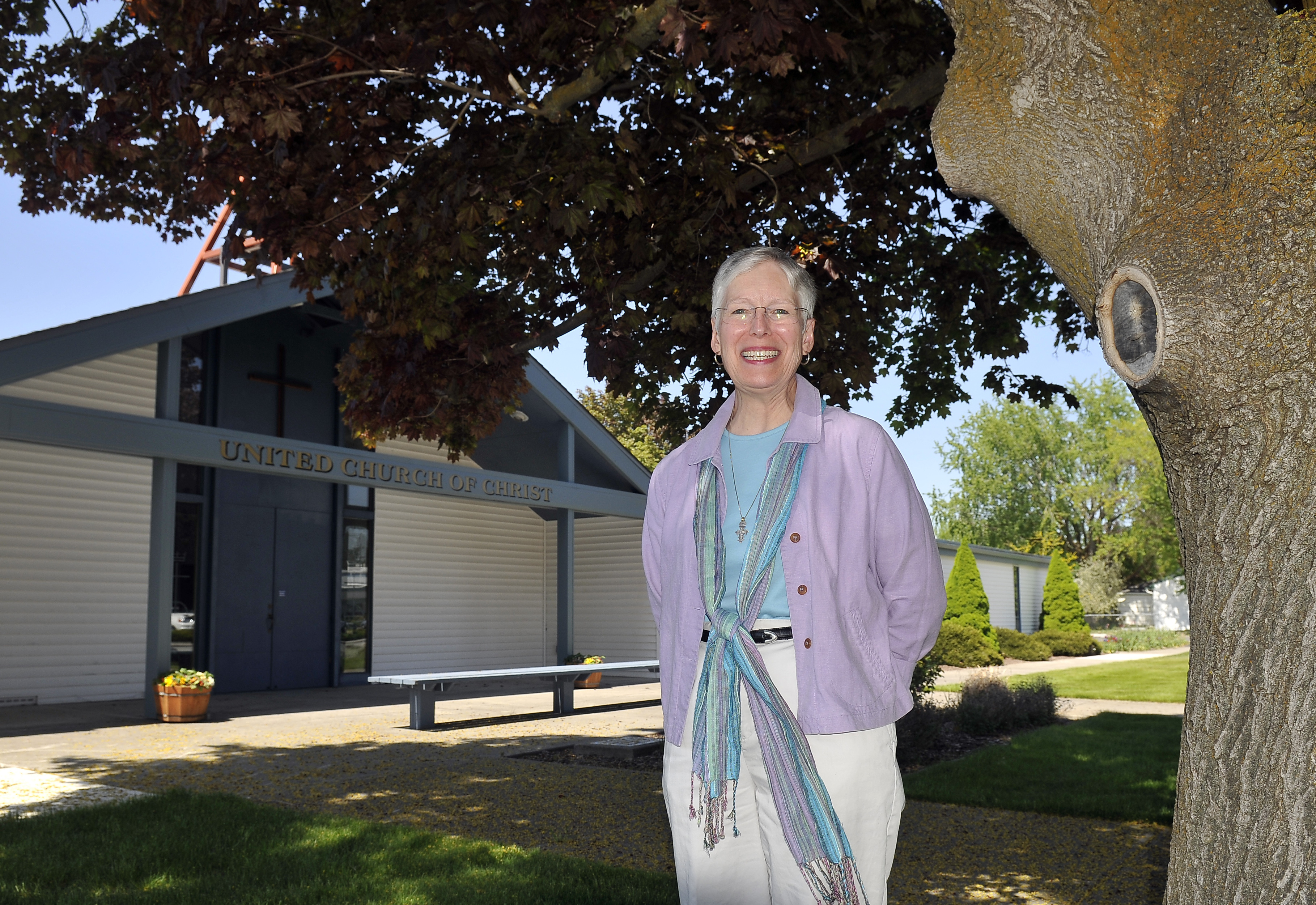 Pastor steps down after nearly 18 years the spokesman review linda crowe pastor of veradale united church of christ for the past 17 years publicscrutiny Gallery