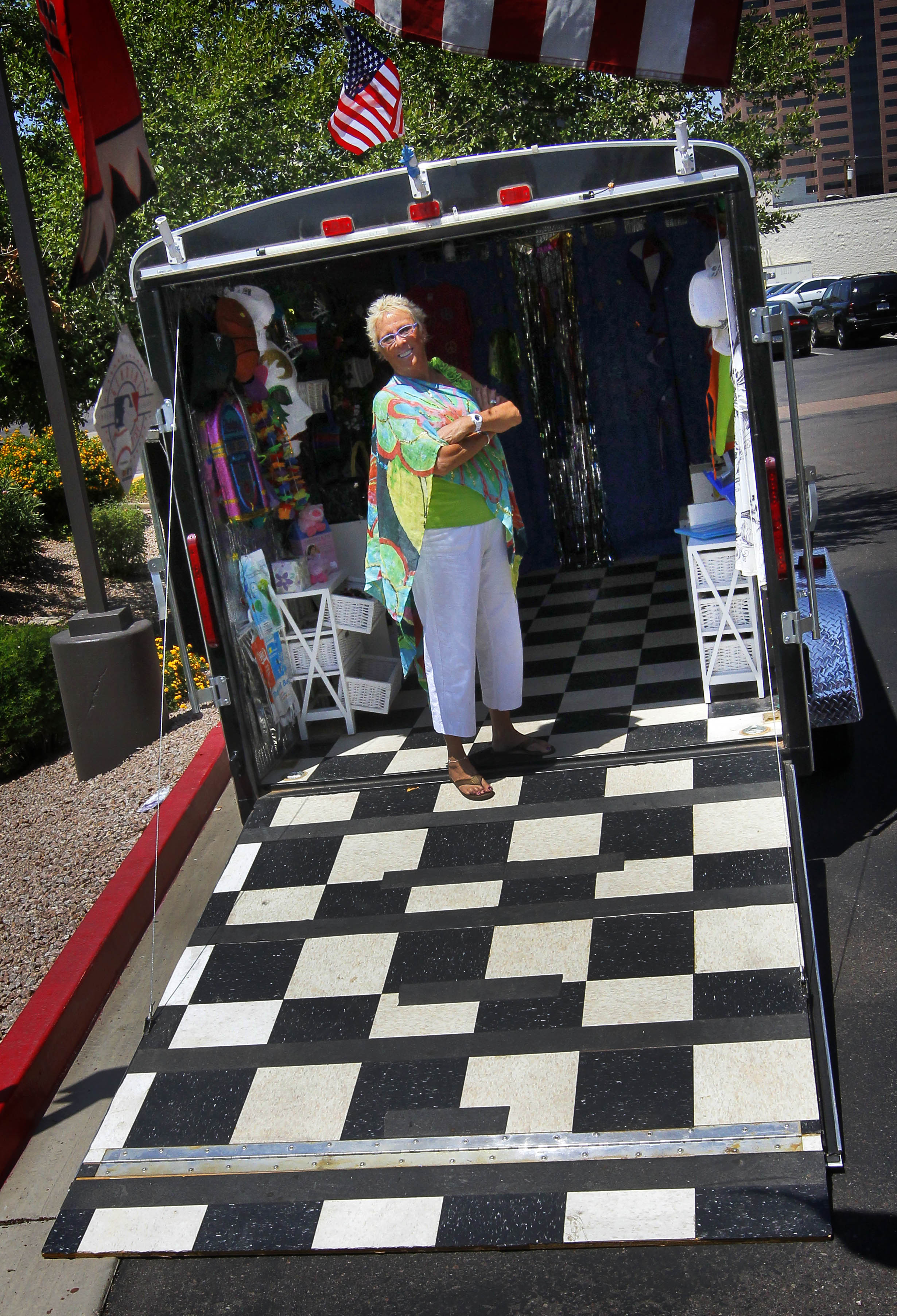 Boutiques on wheels becoming fashionable the spokesman for Haute wheels