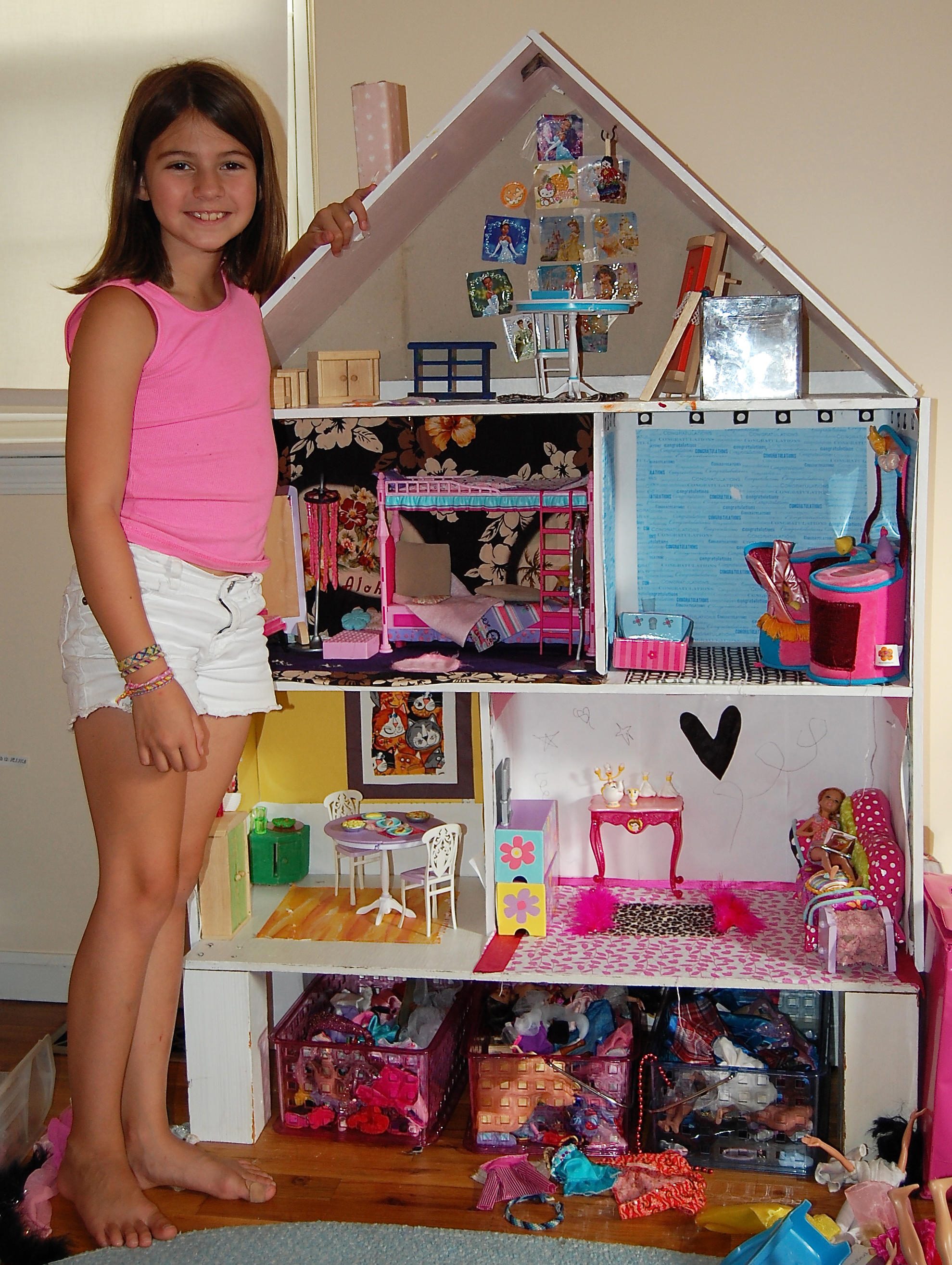 Dollhouse Photography Calendar : Taking dollhouse decorating to new heights the spokesman