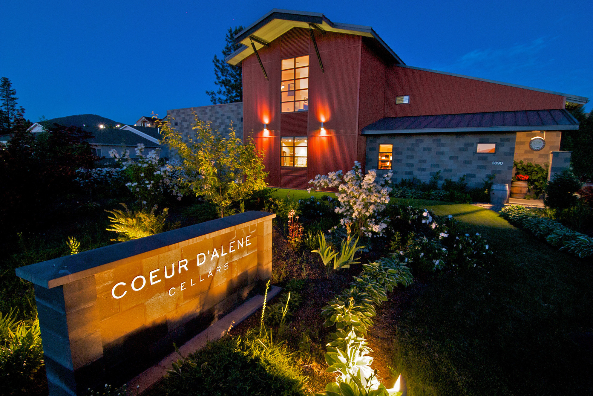 Coeur du0027Alene Cellars makes award-winning wines from Washington grapes. The winery & Coeur du0027Alene Cellars brings Washington wines to Idaho | The ...