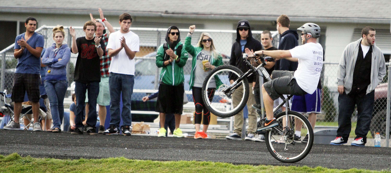 Wheelie Guy Sets Record The Spokesman Review
