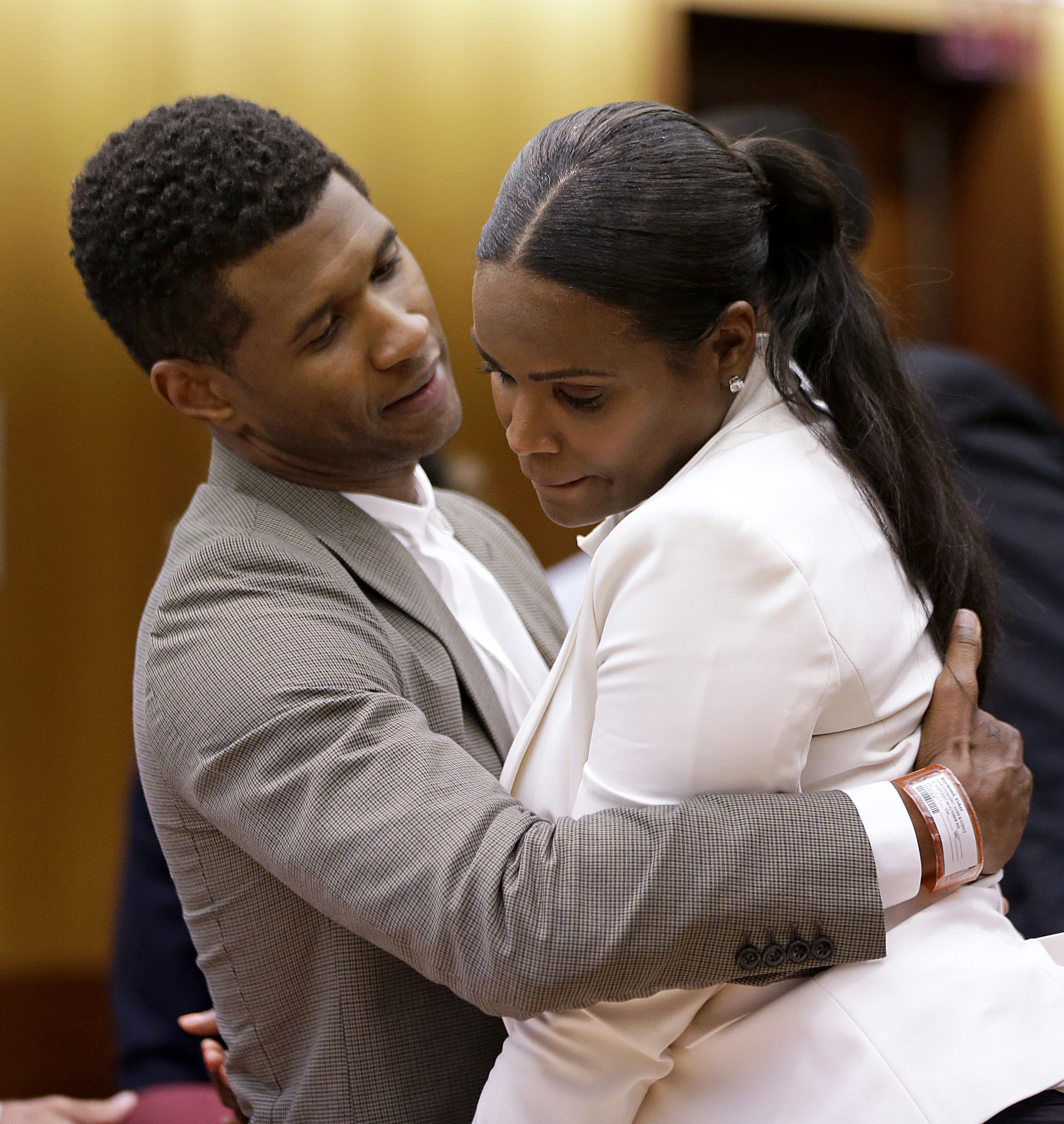 Usher S Ex Wife Loses Bid For Child Custody The
