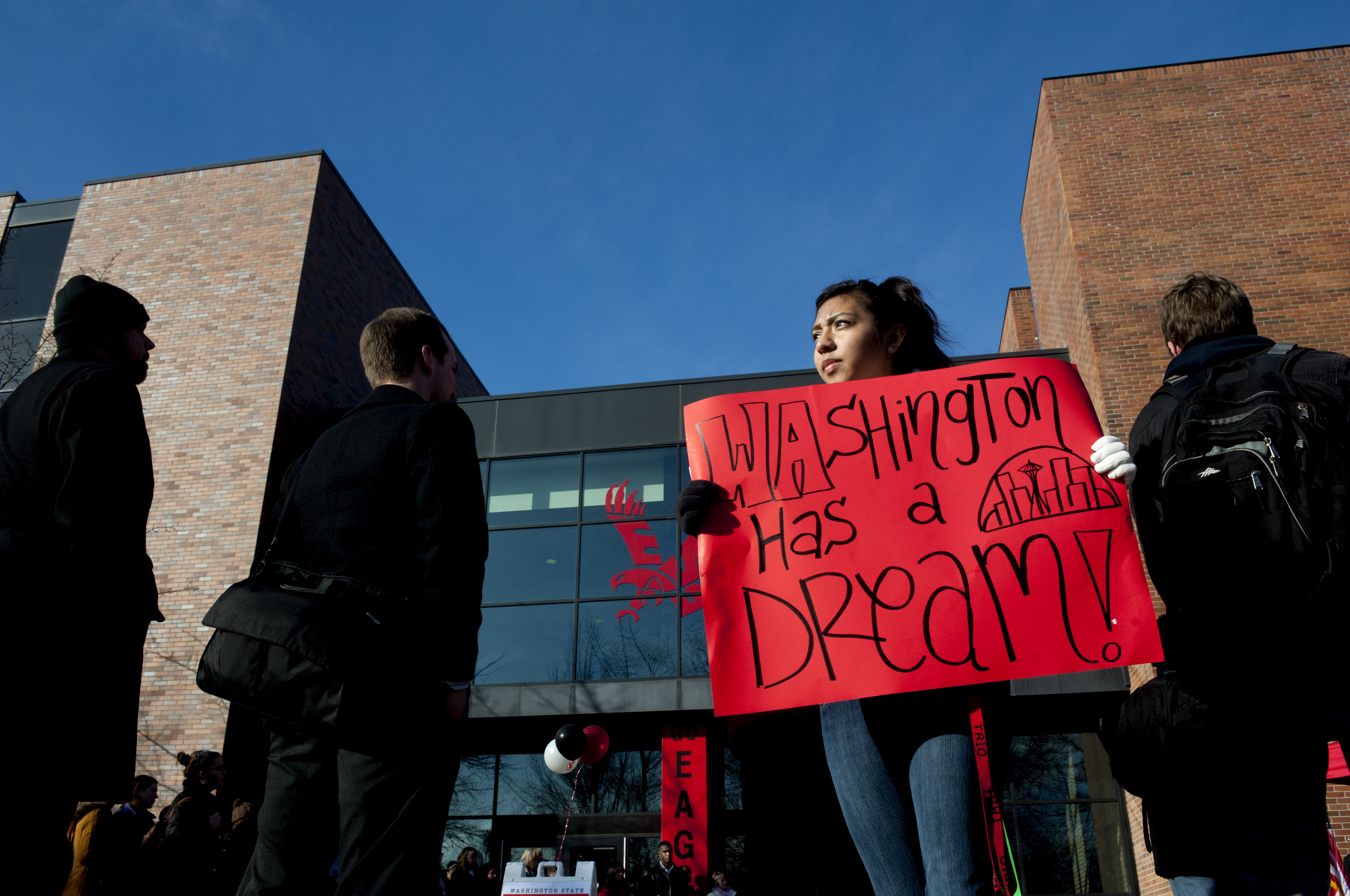 Undocumented students work to pass financial aid act | The ...