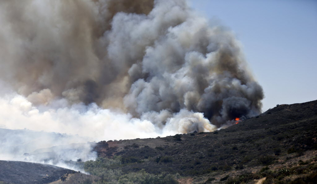 Firefighters getting control of San Diego wildfire | The