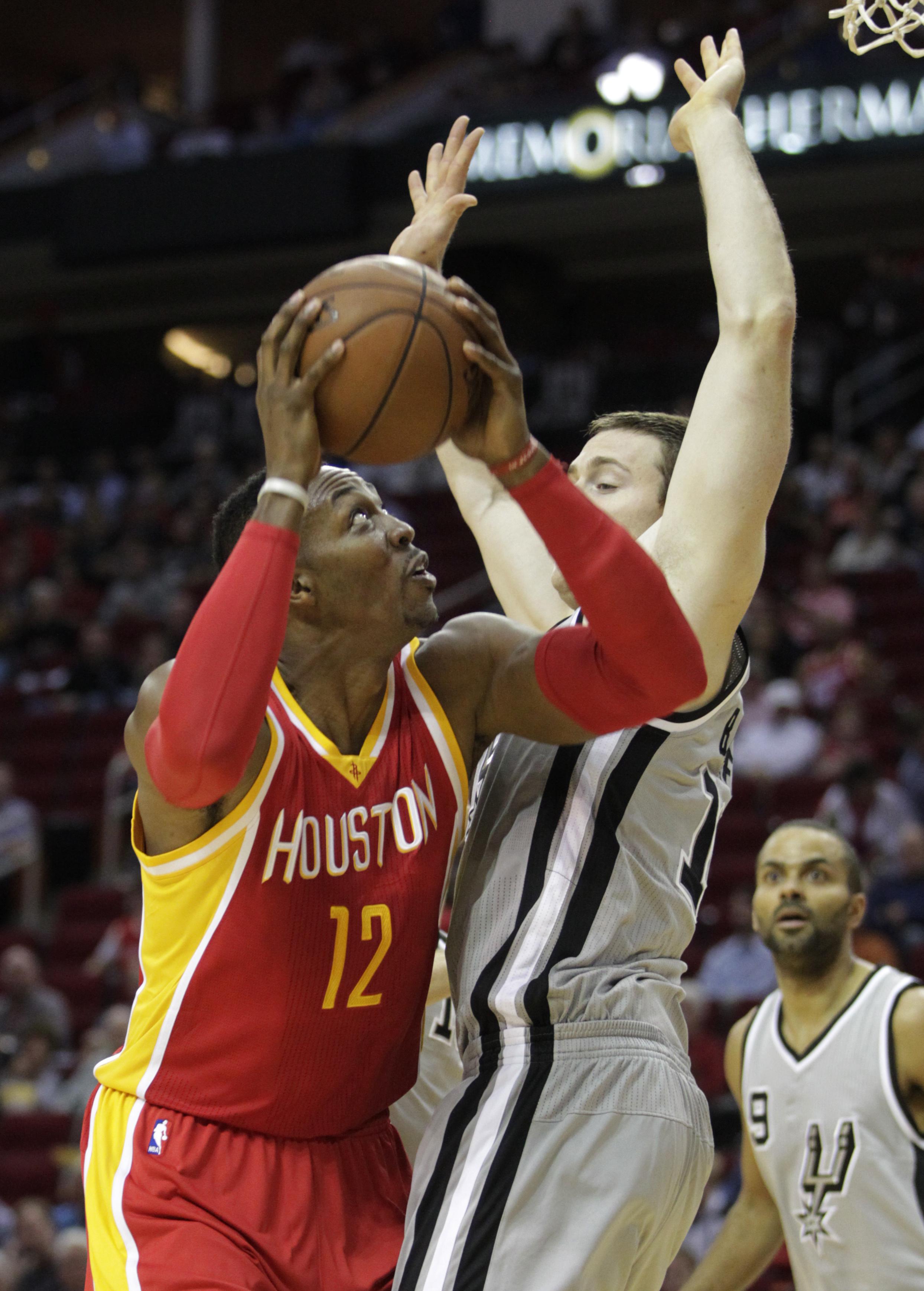 9d8bc3c2e9a5 Rockets crush short-handed San Antonio