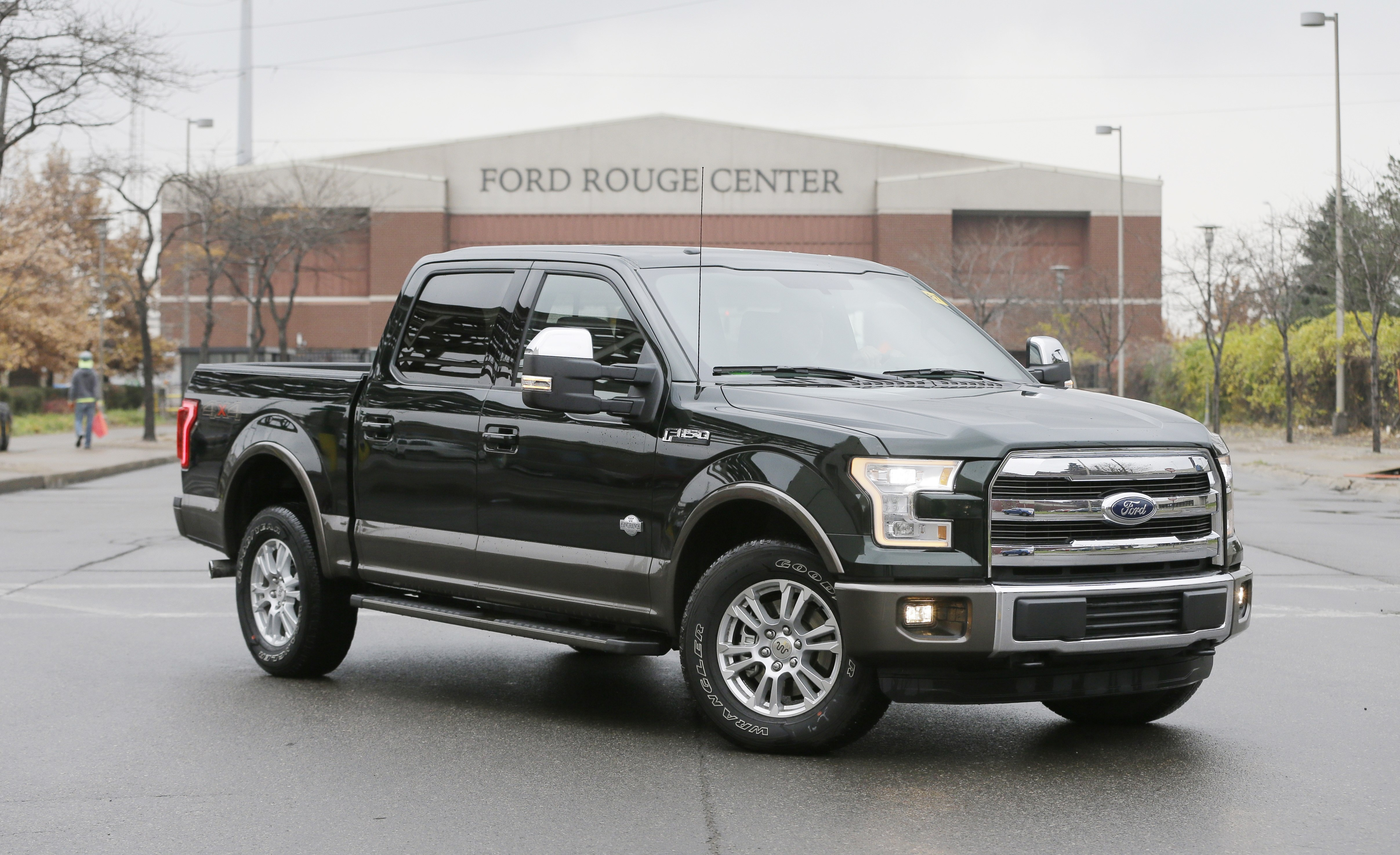 ford s latest f 150 pickups will test market for aluminum trucks the spokesman review. Black Bedroom Furniture Sets. Home Design Ideas