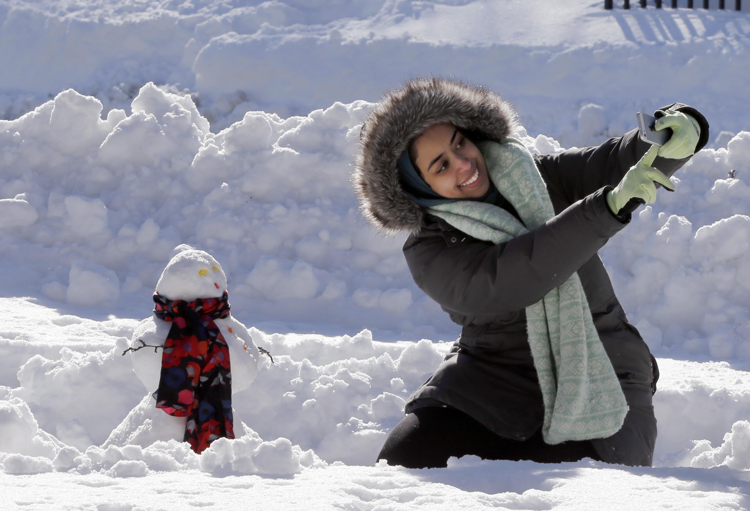 Imagini pentru imagini cu selfie în zăpadă