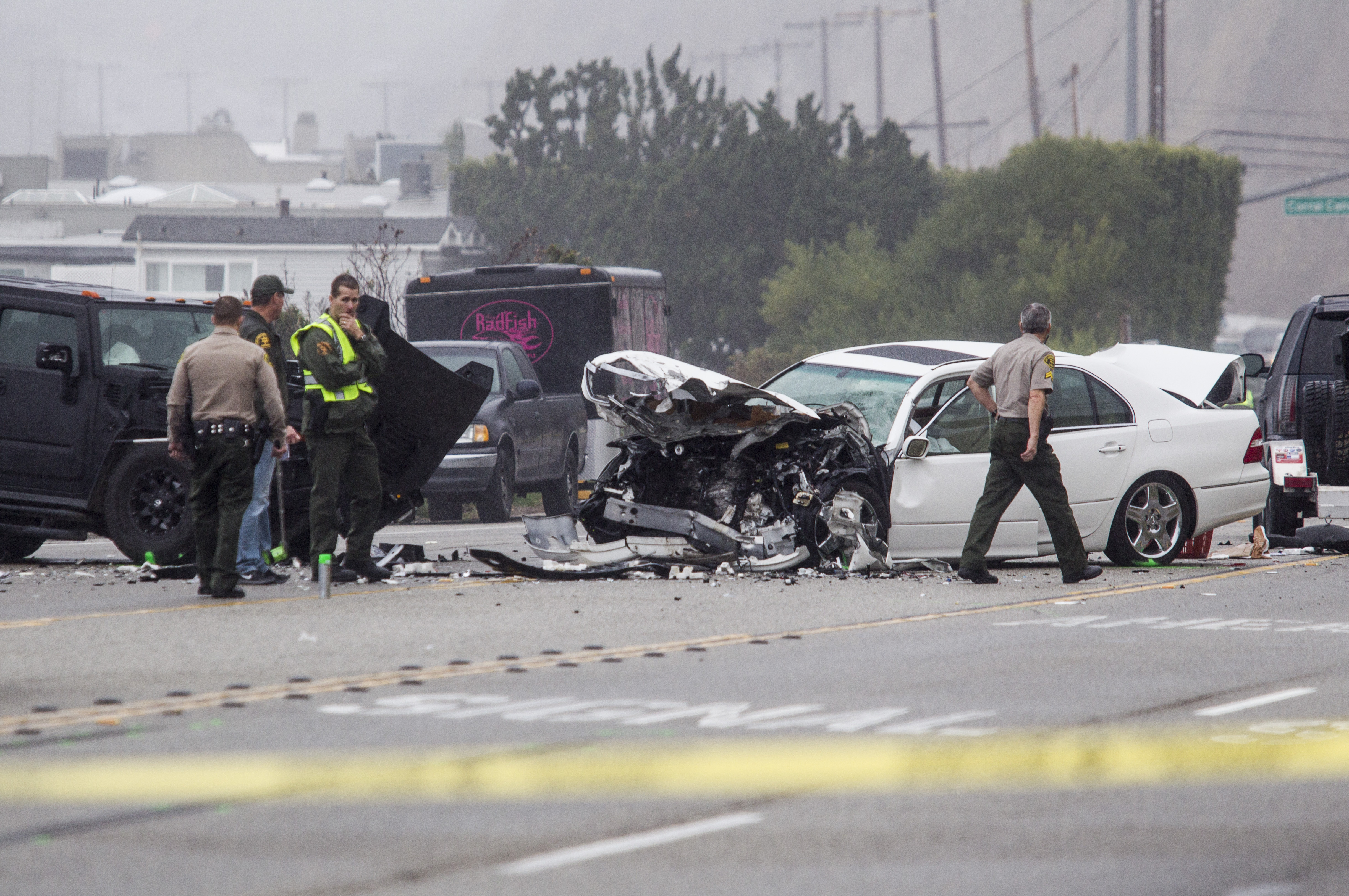 Bruce Jenner involved in chain-reaction car crash that kills one ...