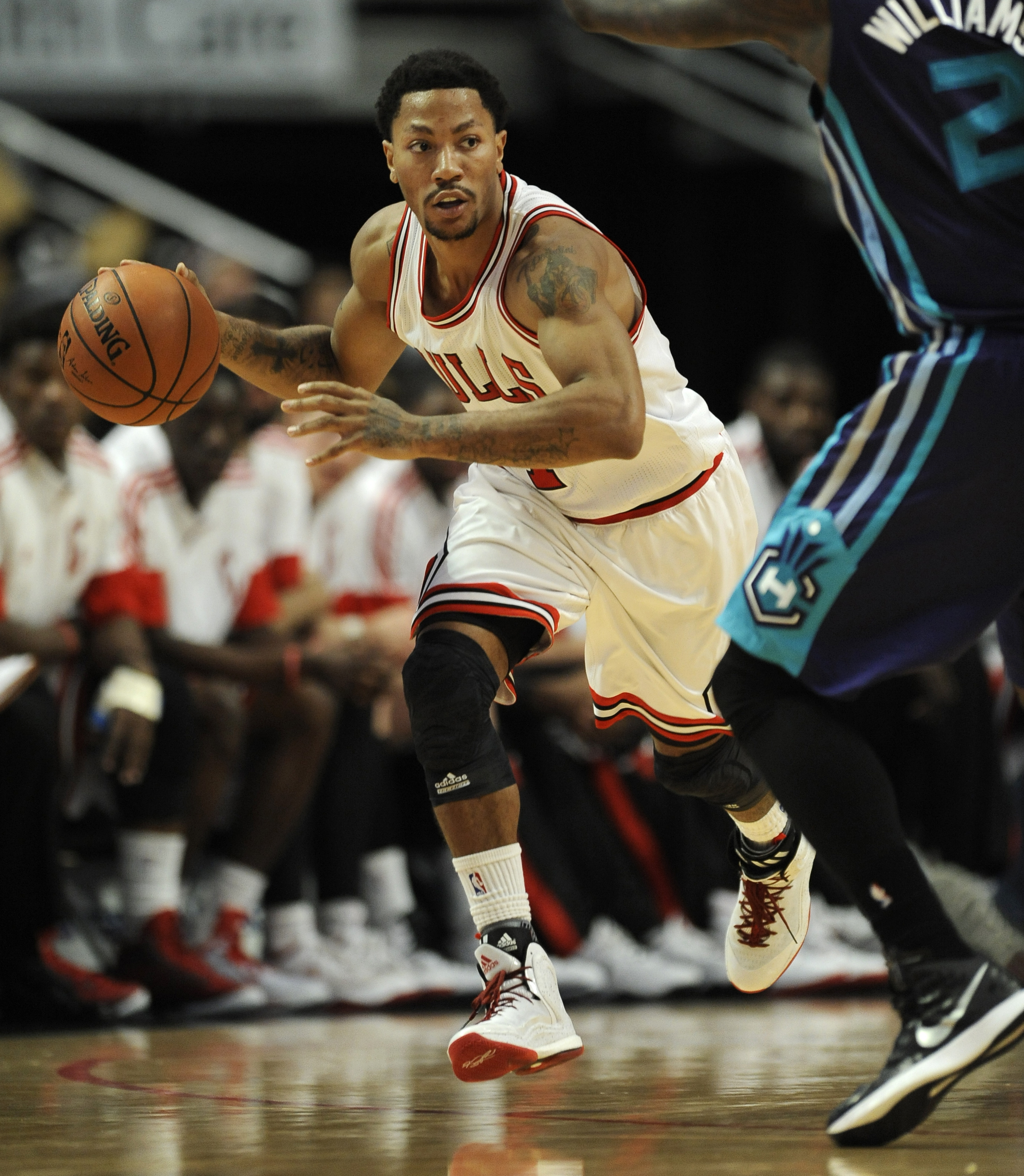 92dd3cb16bd Bulls say Derrick Rose will have surgery on Friday