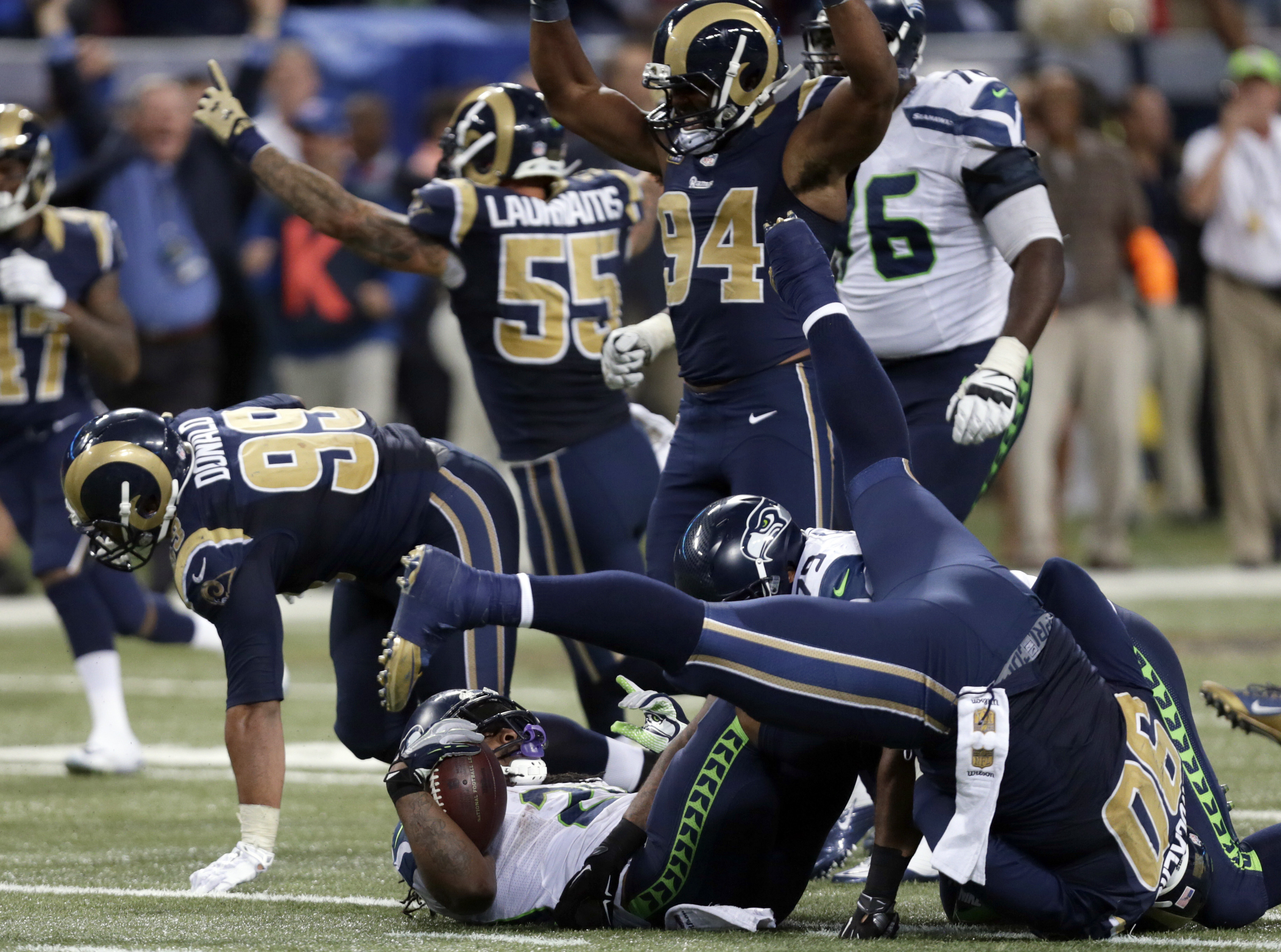 ad509192 Rams stuff Lynch on fourth down to win in OT | SWX Right Now ...