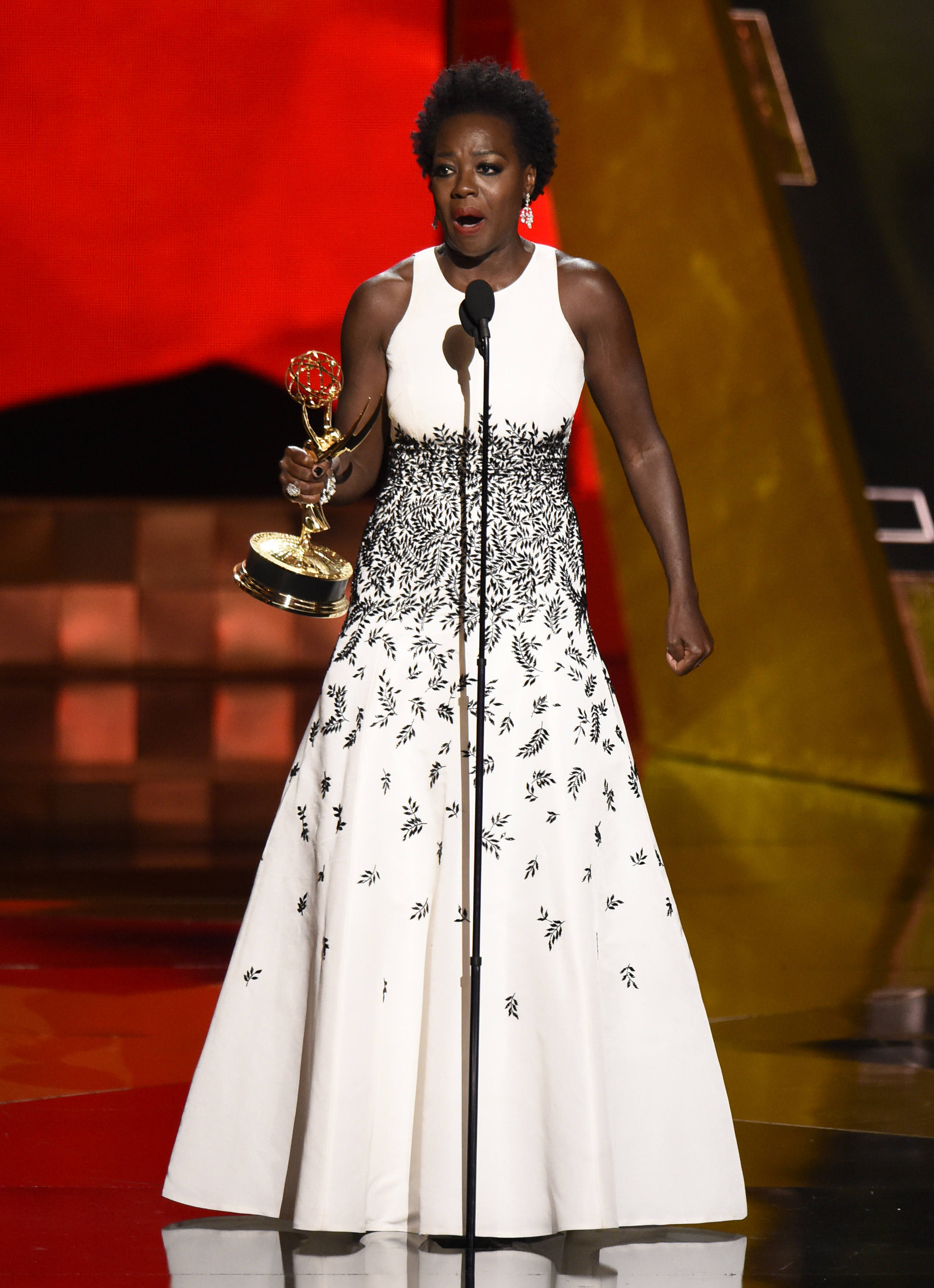 Viola Davis Accepts The Award For Outstanding Lead Actress In A Drama  Series For €�how
