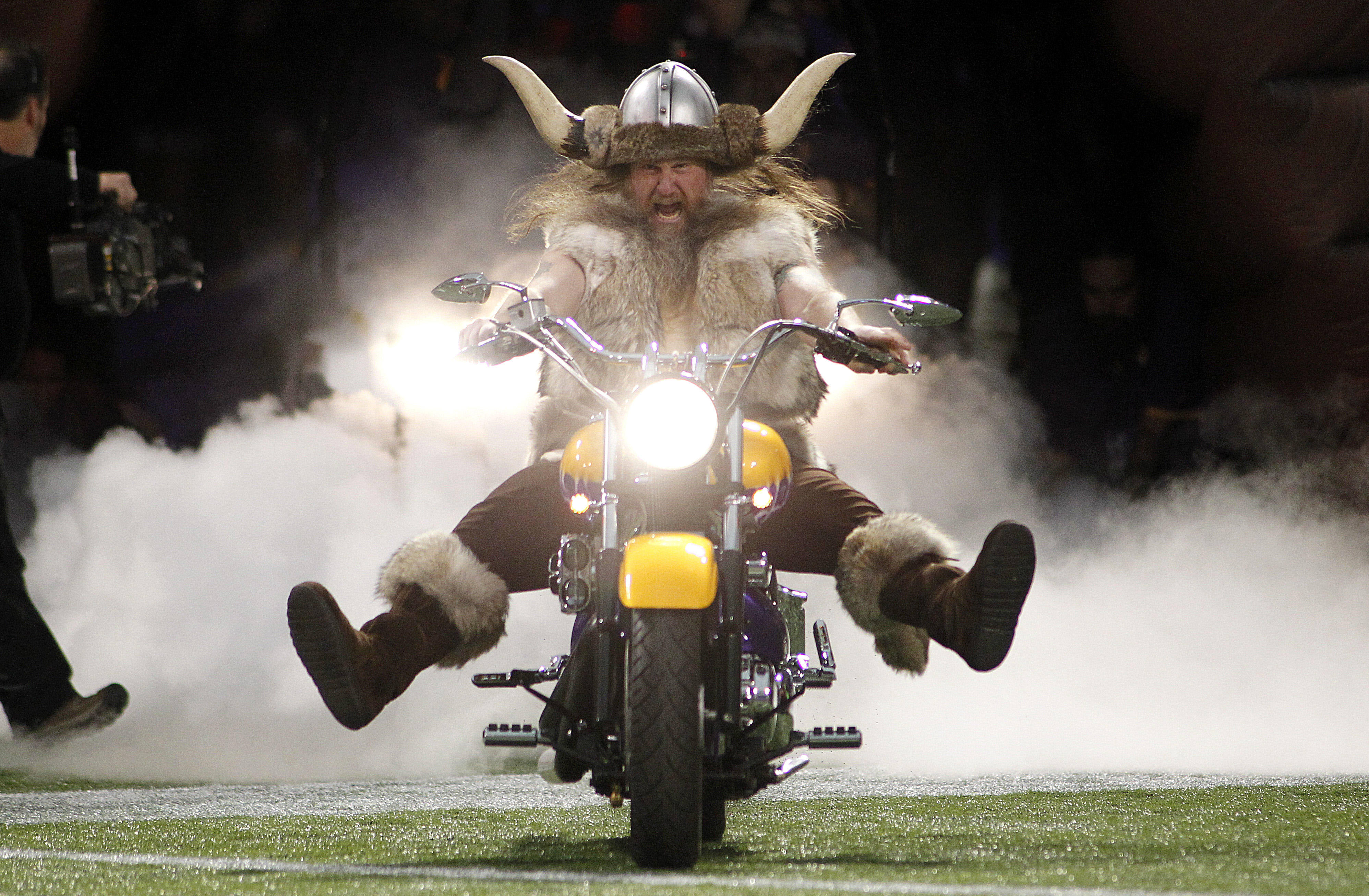 Ragnar No Longer Vikings Mascot After Contract Dispute The