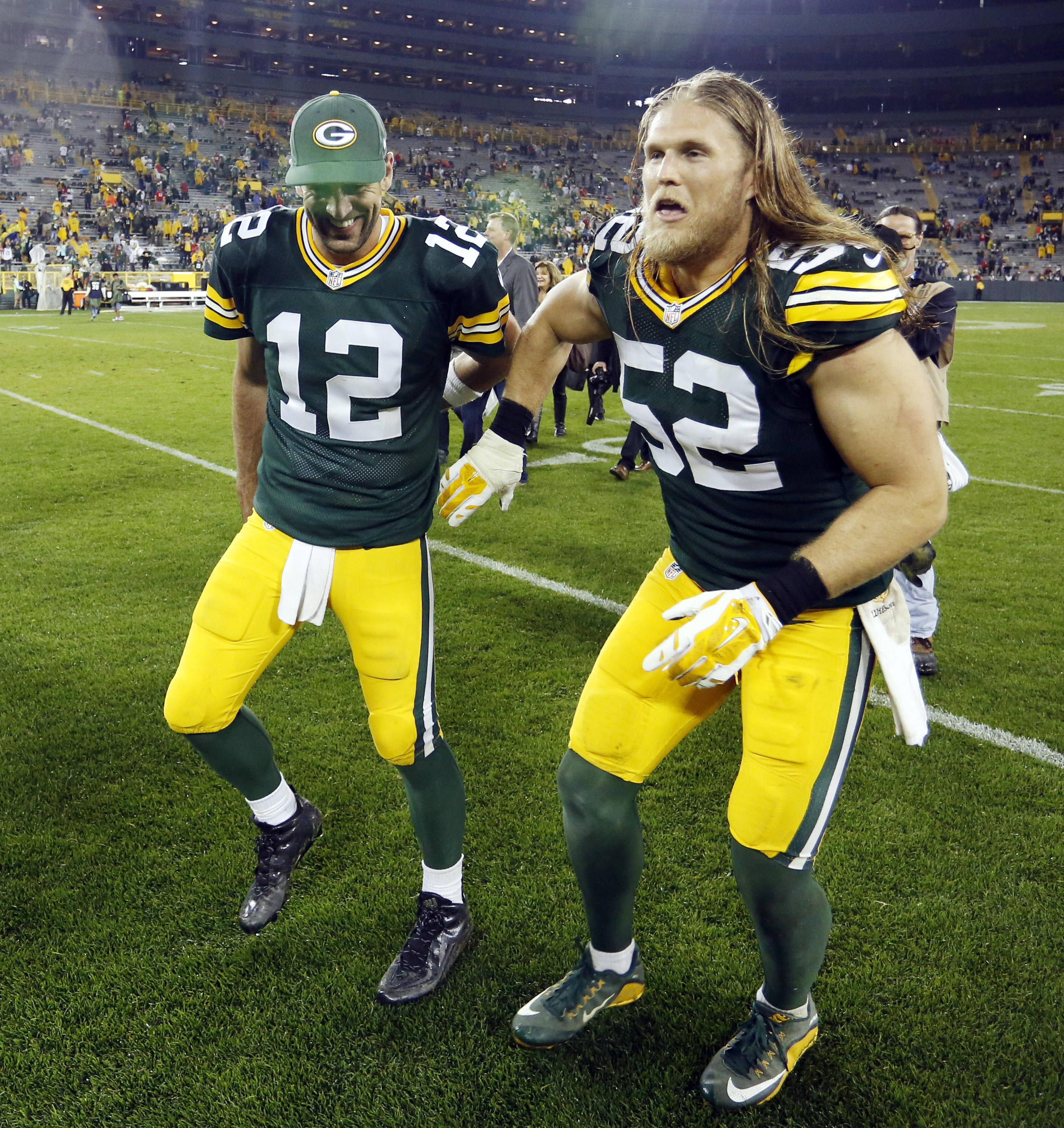 Aaron Rodgers throws for five TDs in Green Bay s Monday Night