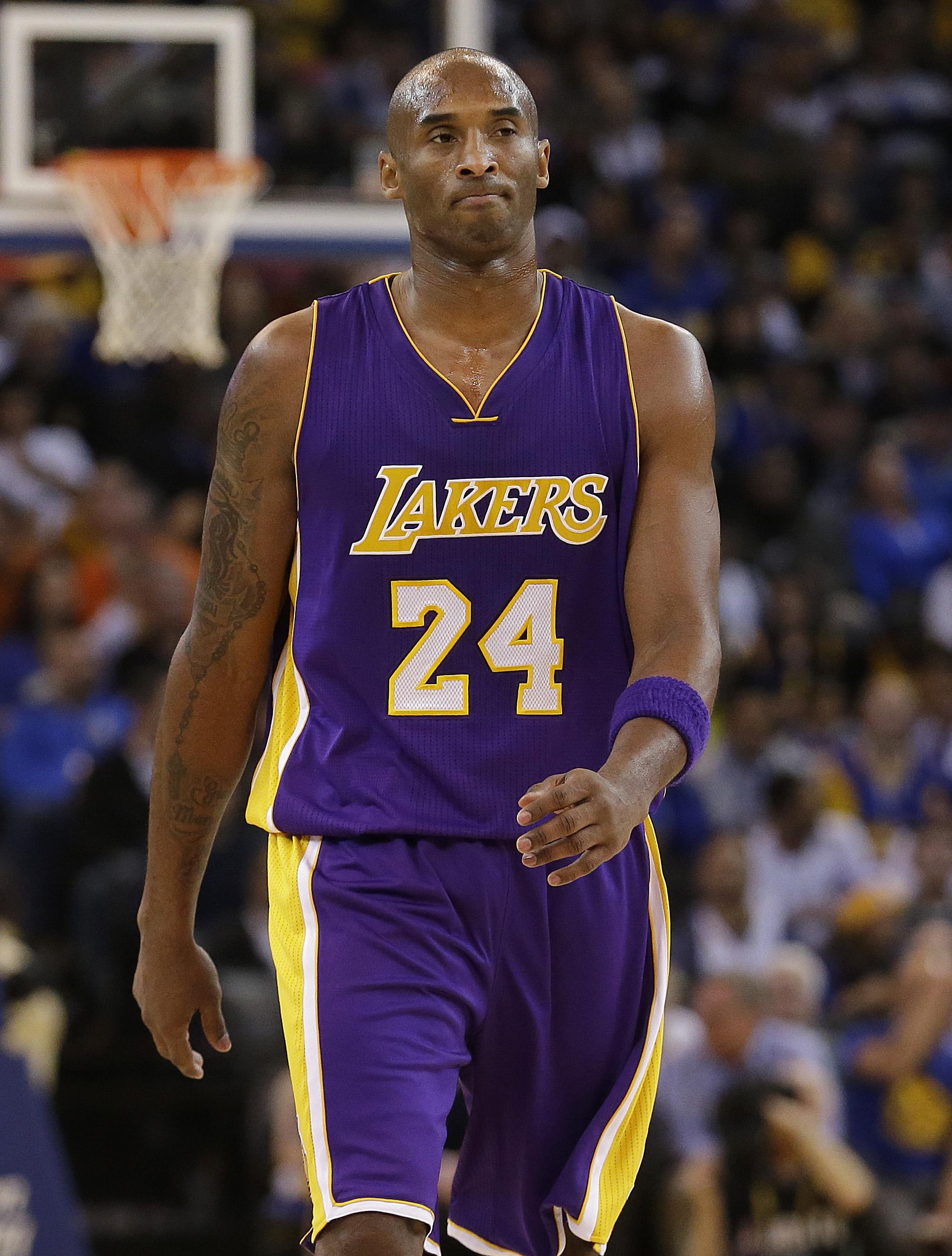 553dd1e5b0ab Los Angeles Lakers guard Kobe Bryant (24) walks on the floor during the  second
