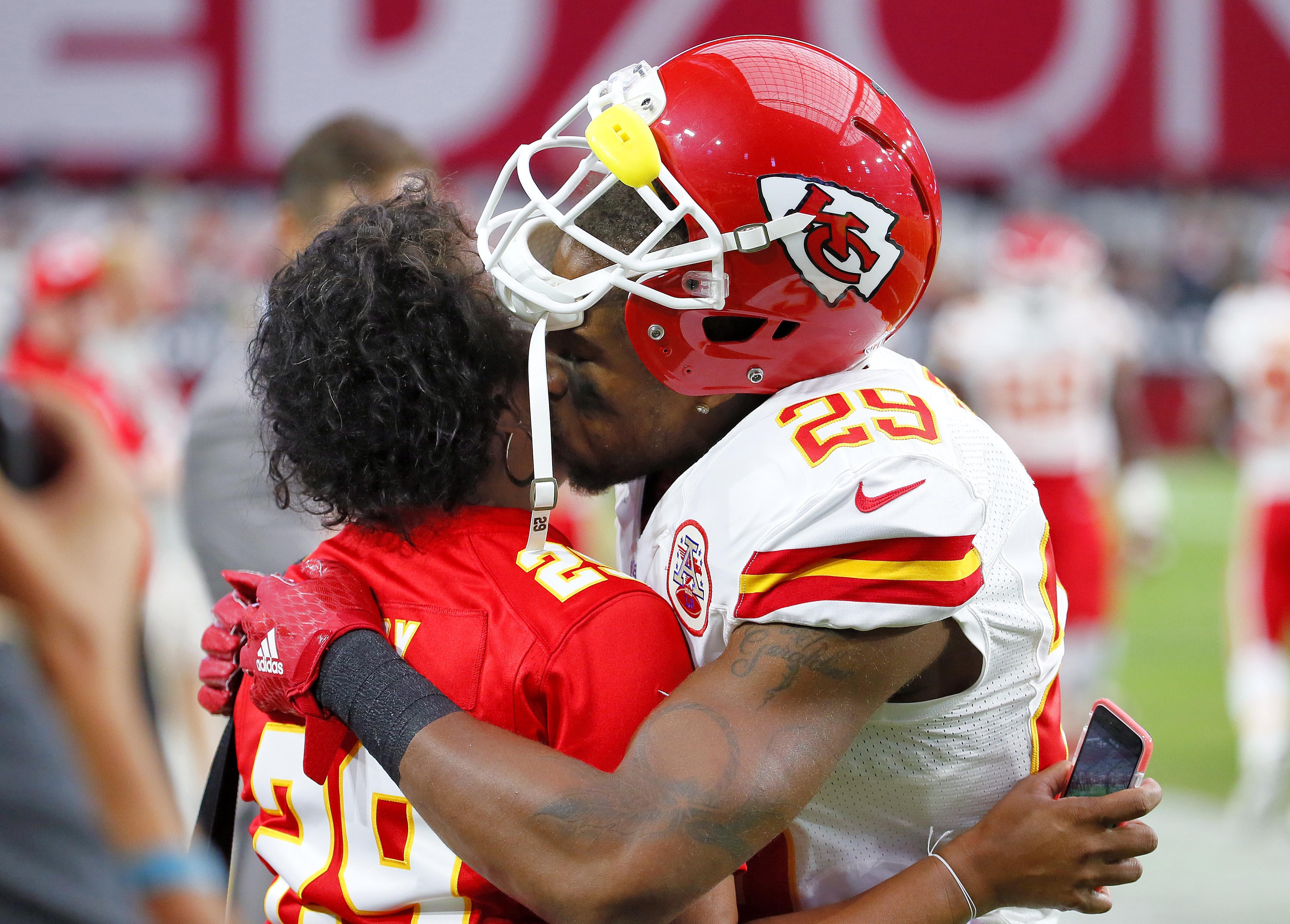 Chiefs Eric Berry back in Pro Bowl after cancer scare