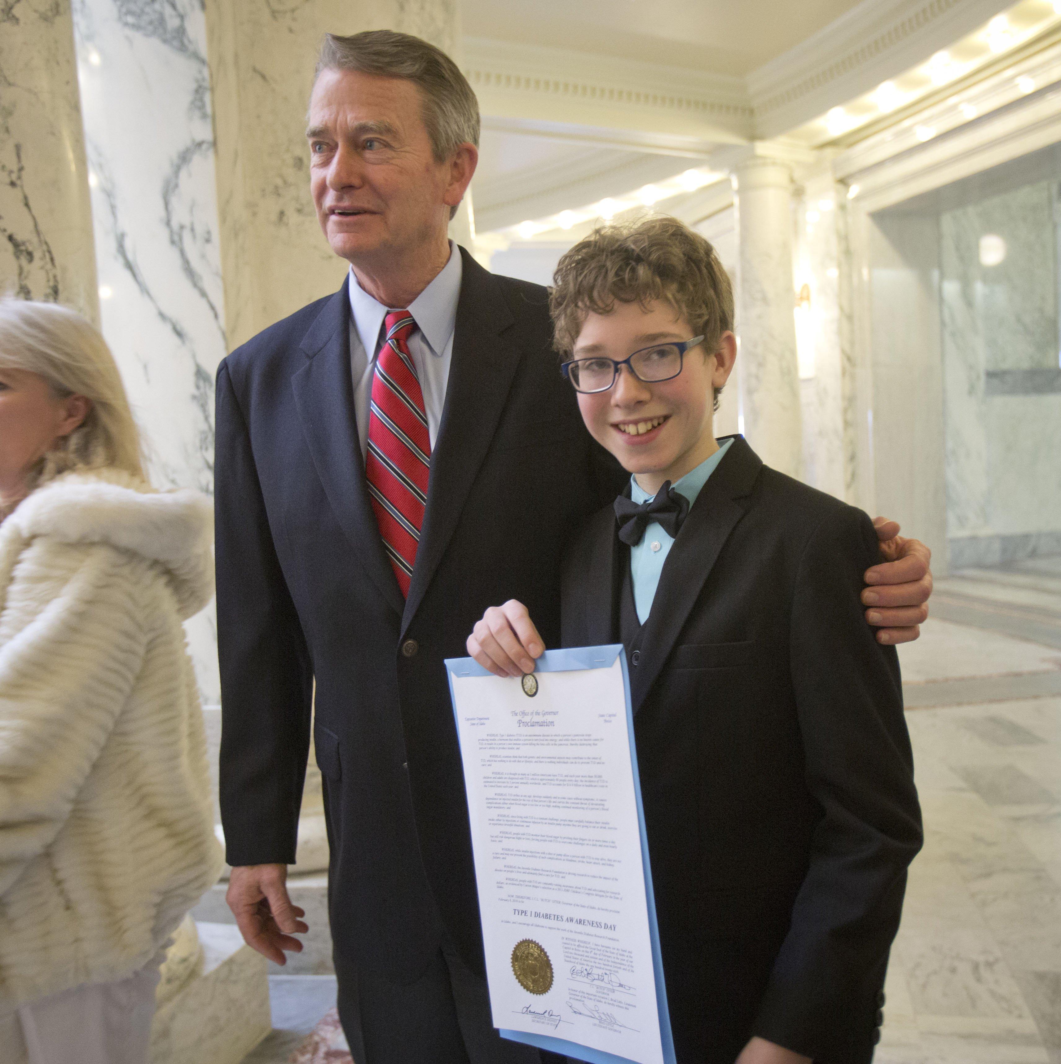 Idaho statesman newspaper online - Carson Magee Of Coeur D Alene Right With Lt Gov Brad