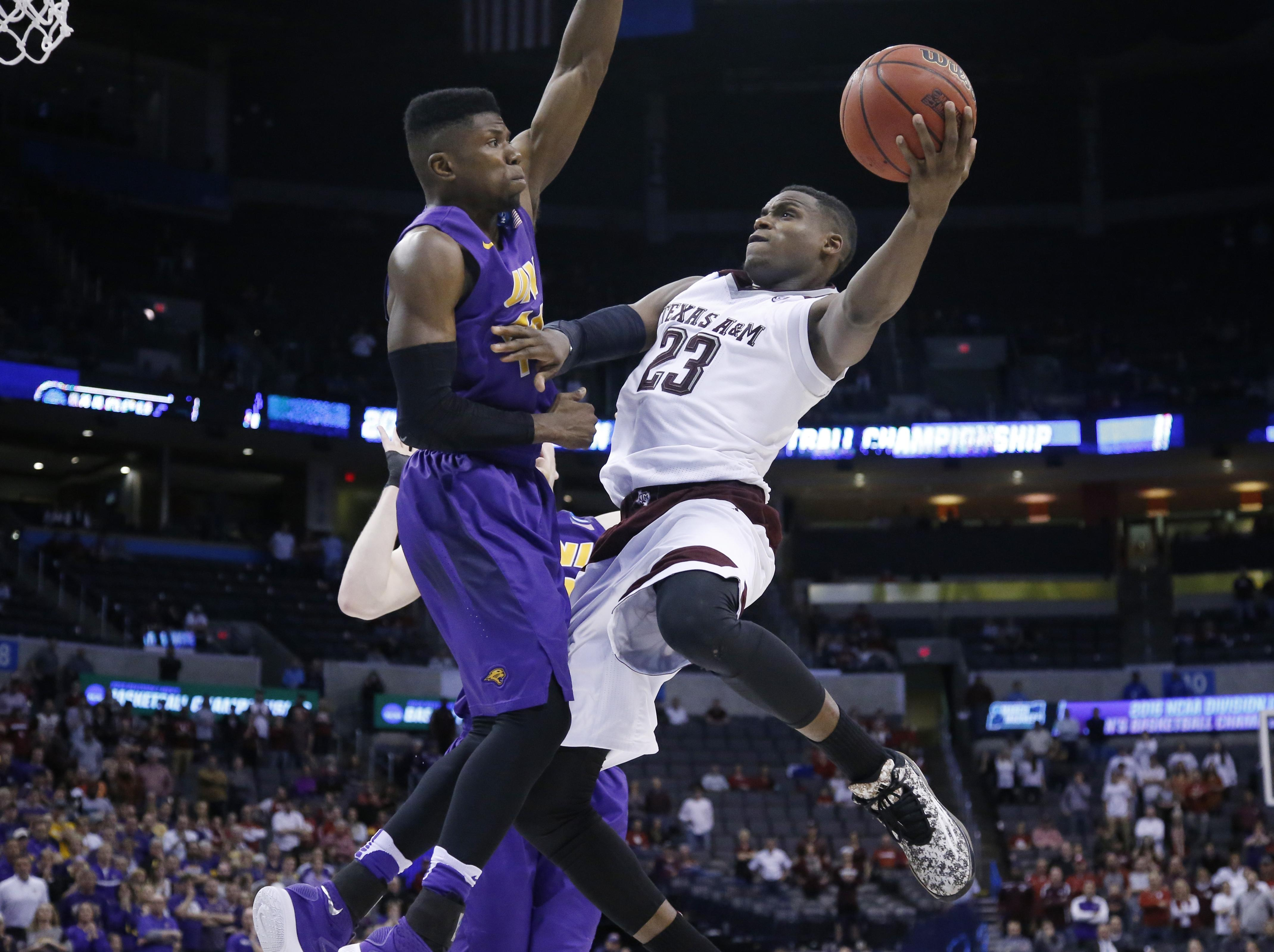 Texas A&M uses furious comeback to down Northern Iowa ...