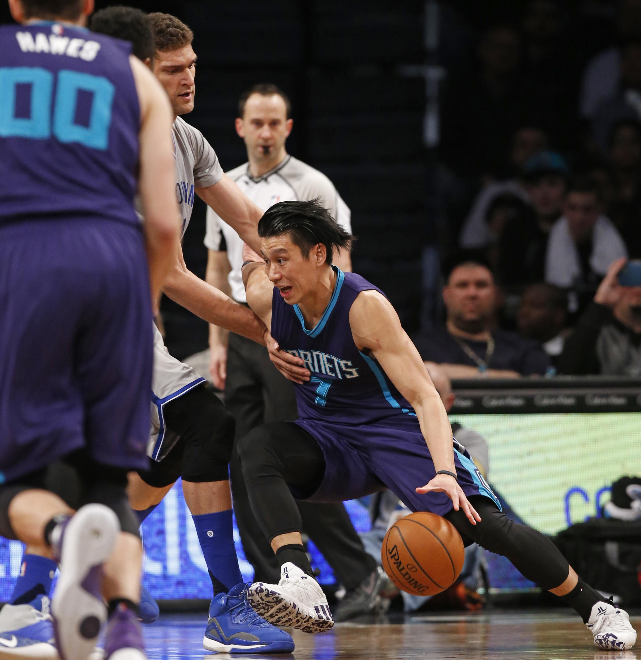 low priced 64ed8 146a7 Jeremy Lin provides spark for surging Hornets | The ...