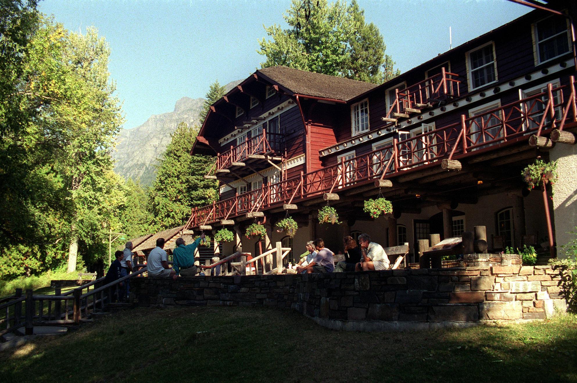 Lake mcdonald motor inn for Alpine motor inn lake placid