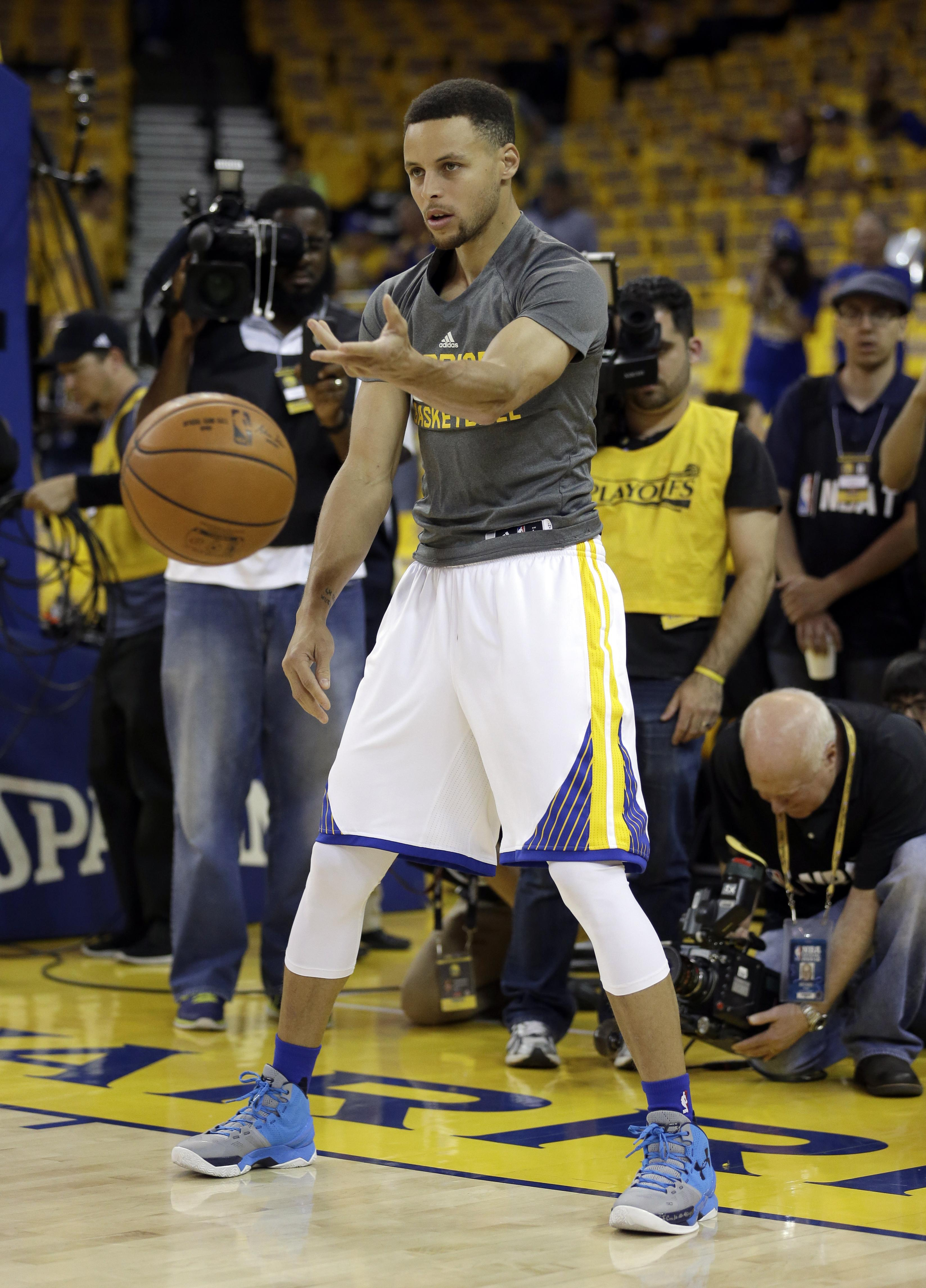 83cb9005a Golden State Warriors stars Stephen Curry expects to return Sunday after  missing two playoff games.