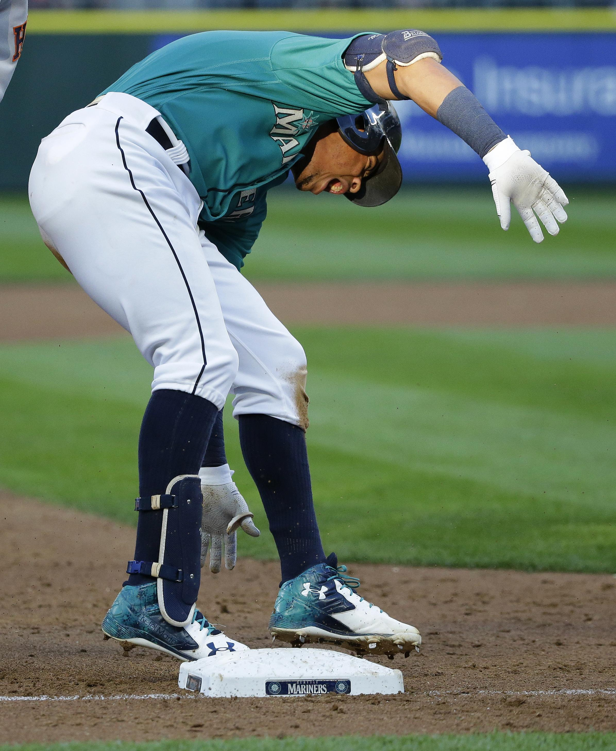 Mariners lay egg in first game back from All-Star break