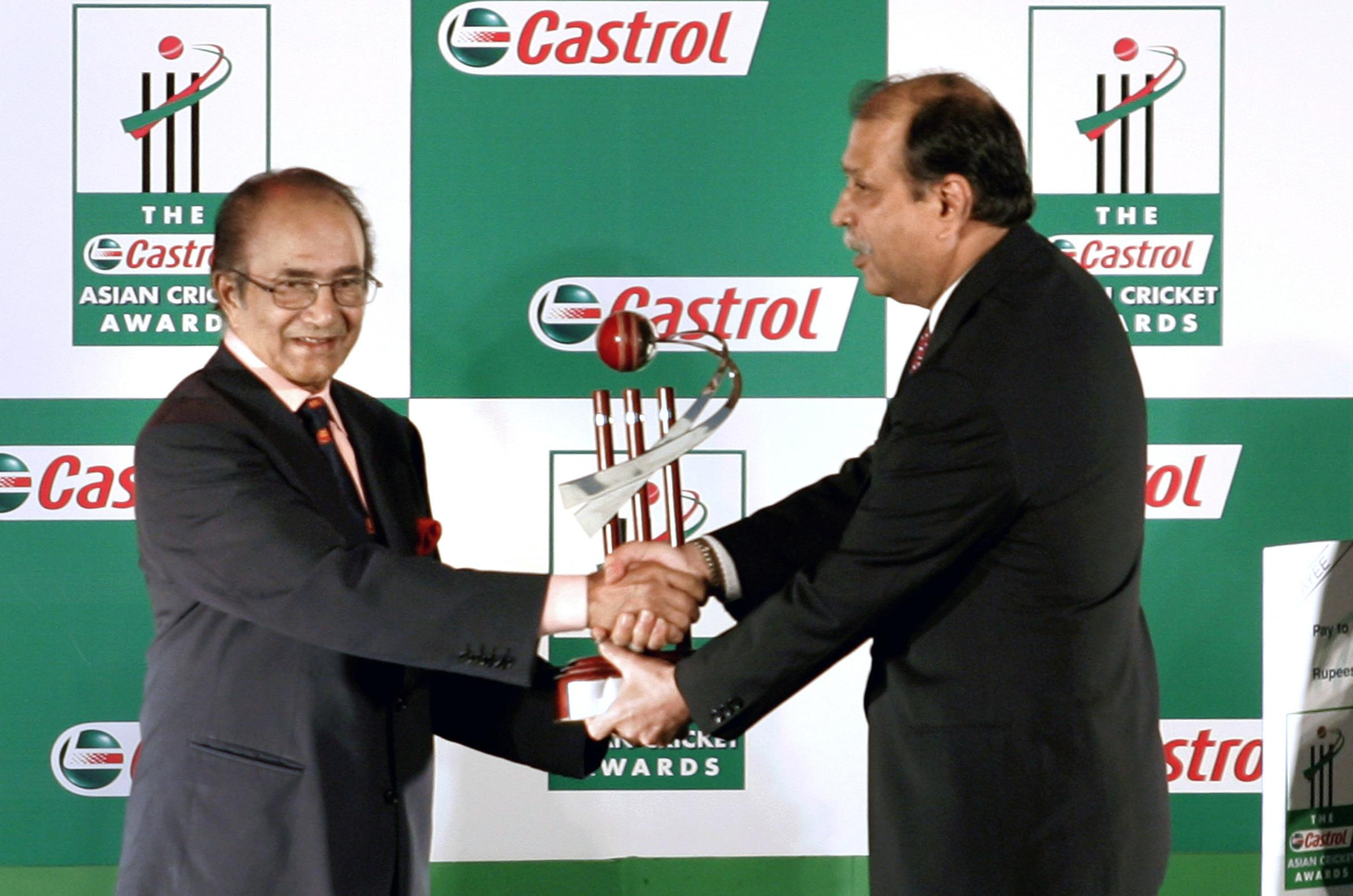 Newmakers: Pakastani cricket legend Hanif Mohammad dies