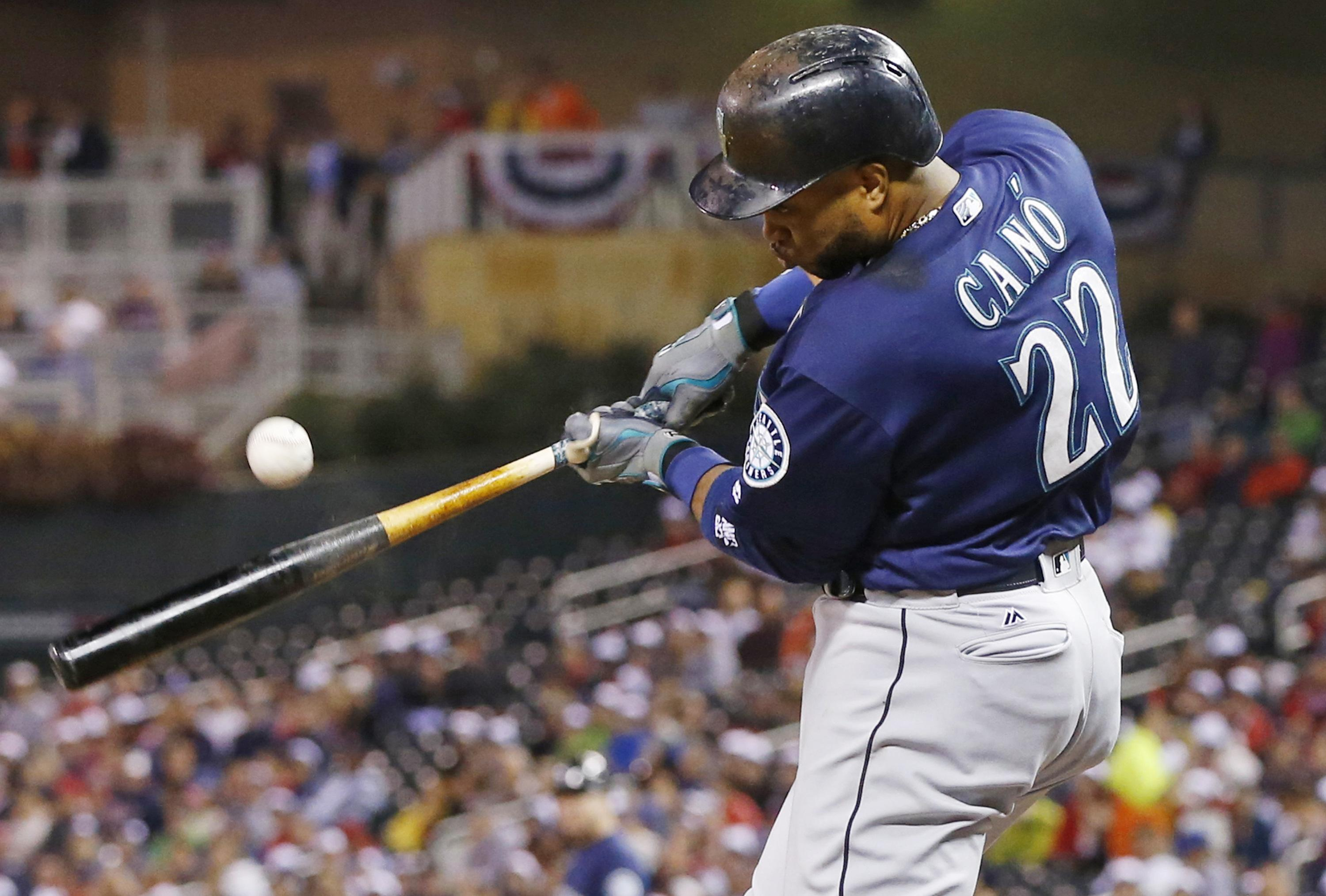 Seattle's Cruz leaves game with wrist soreness