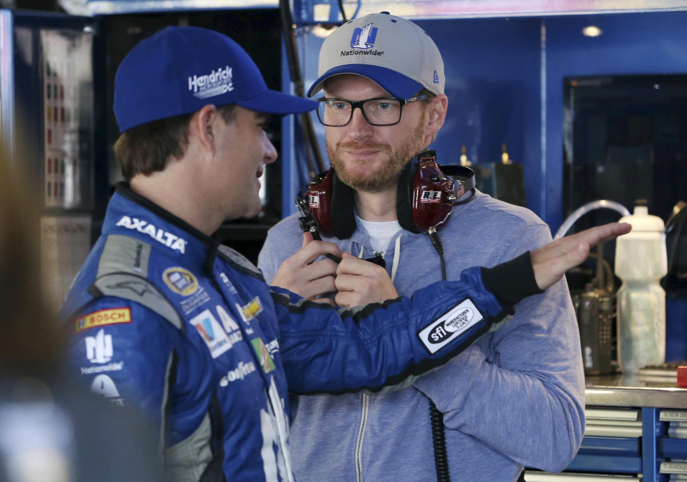 Suarez opens NASCAR doubleheader with Xfinity win at Dover