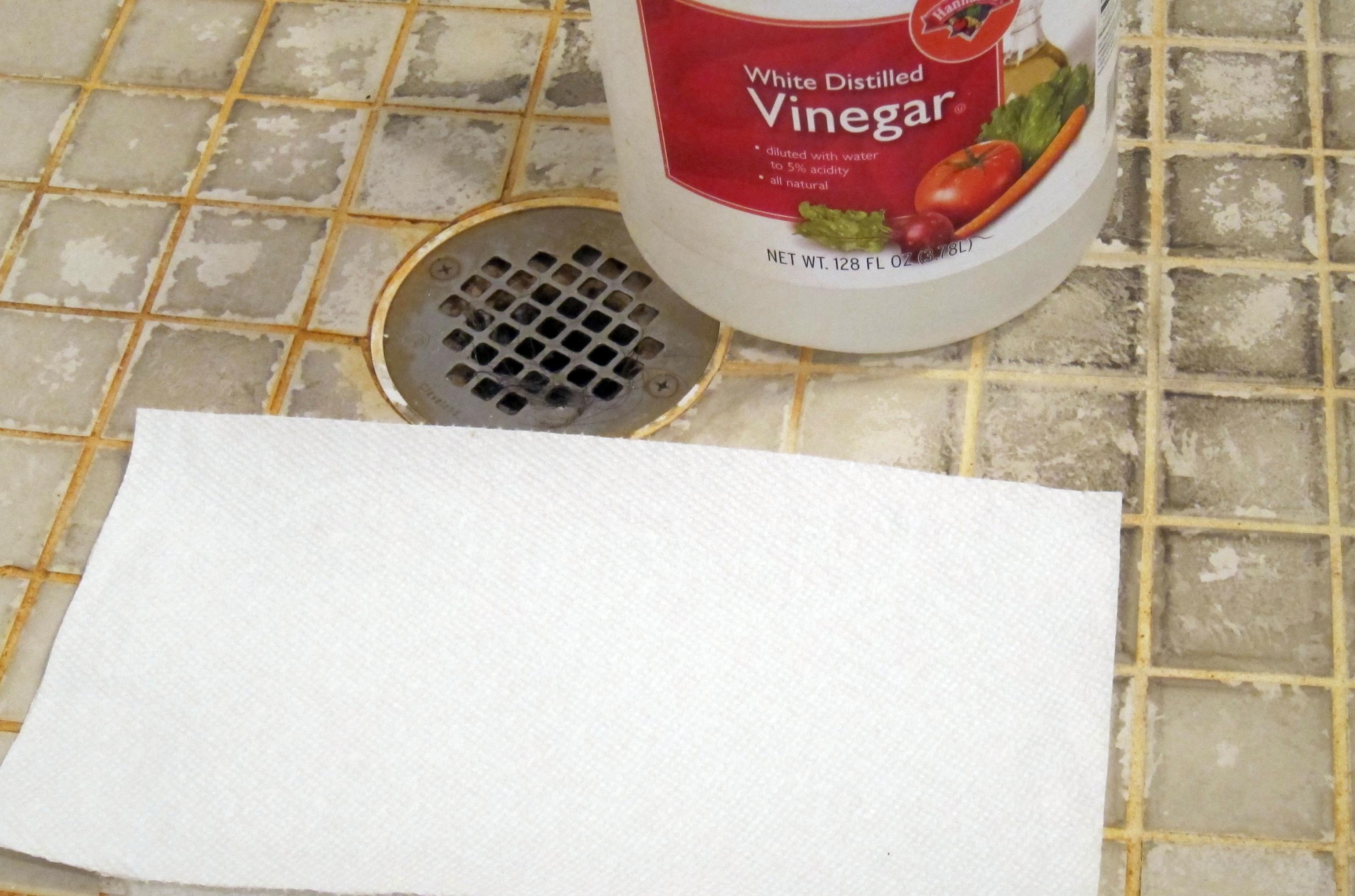 All you need to clean hard water stains is vinegar and time | The ...