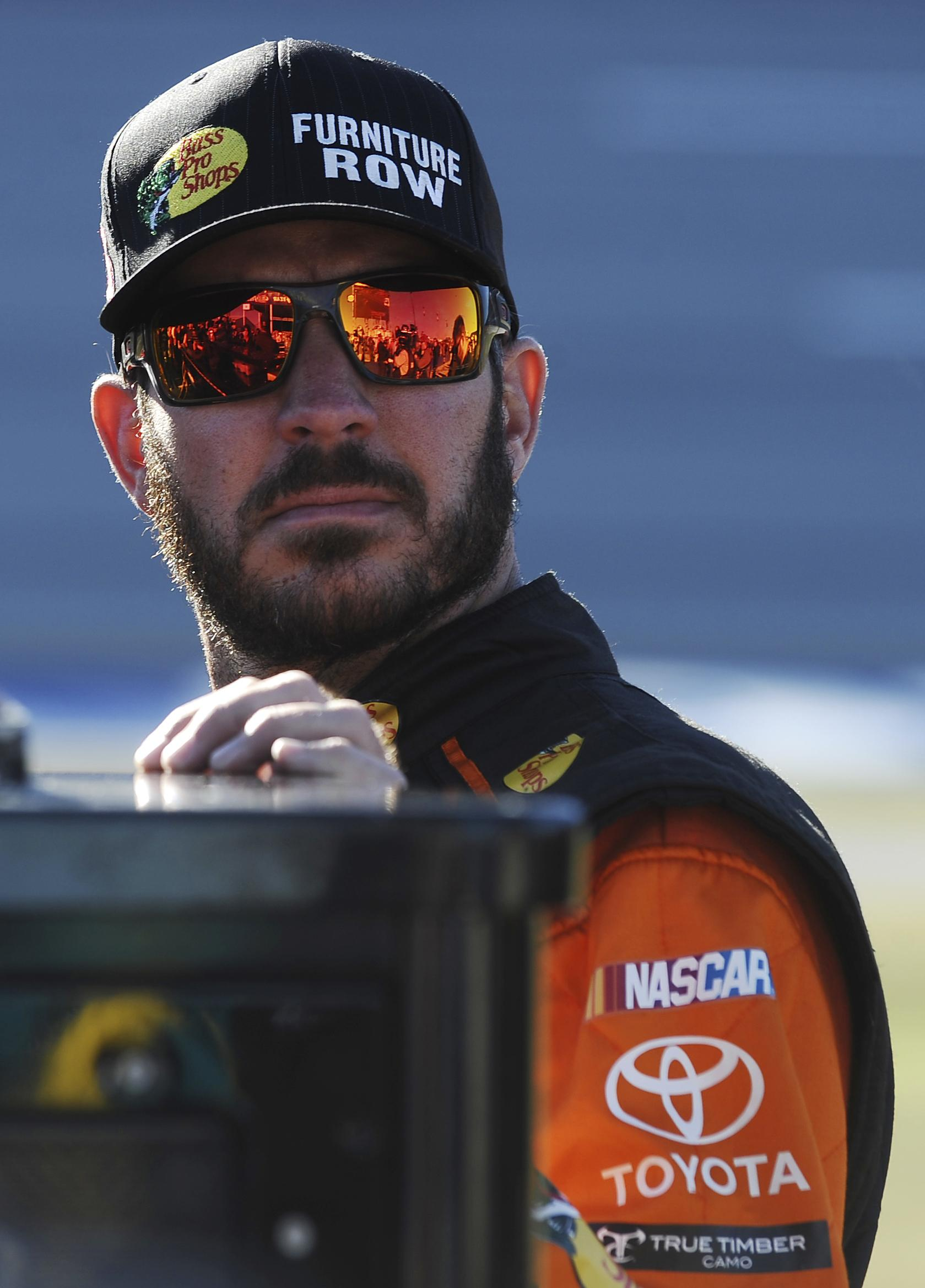 Nascar Pole Position >> Auto racing: Martin Truex Jr. bolts to front in qualifying ...