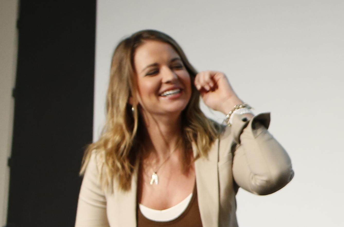 Nba tv host kristen ledlow says she was robbed at gunpoint the