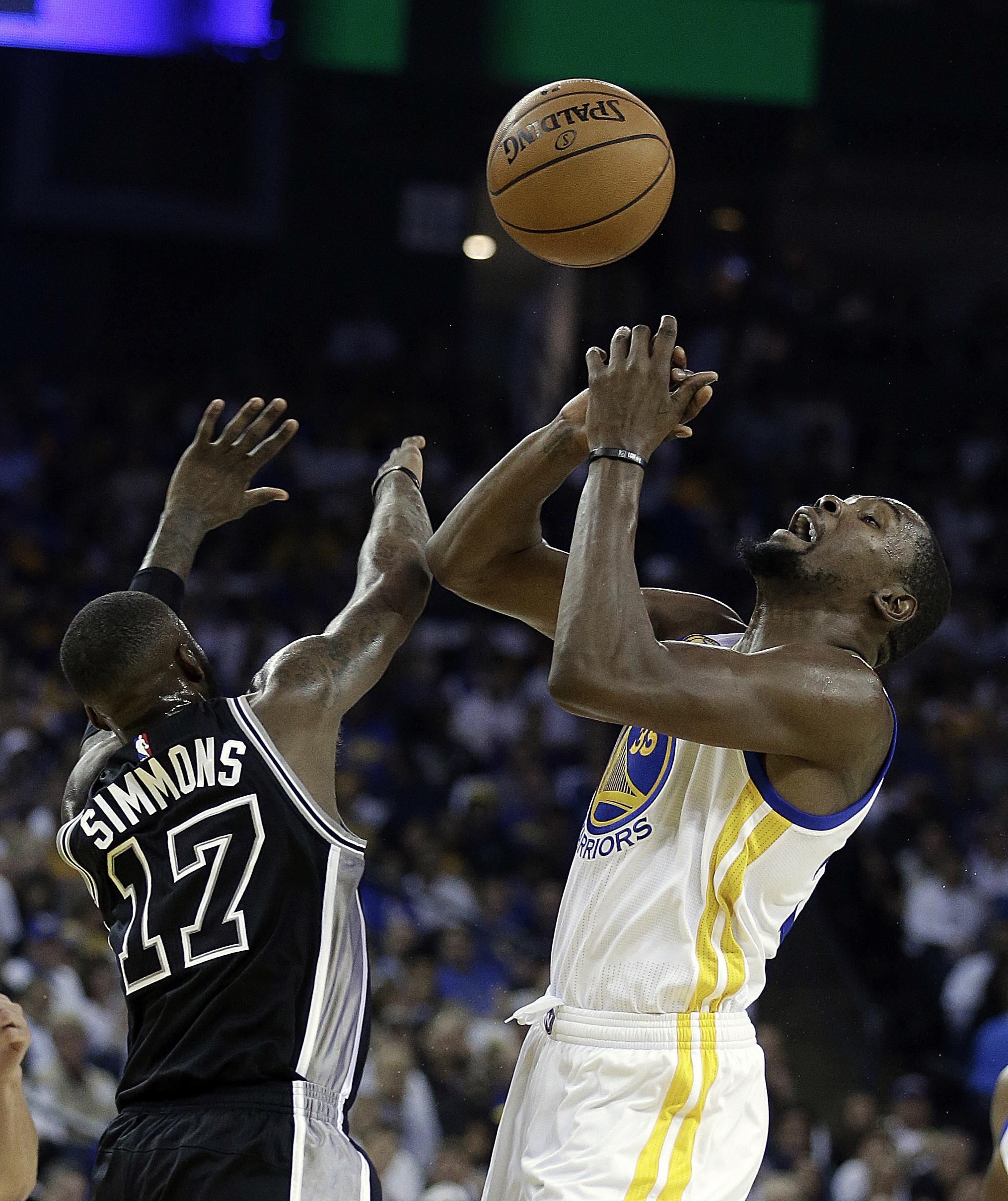 7aaa9462e7b In brief  Spurs rout Warriors in Kevin Durant s debut