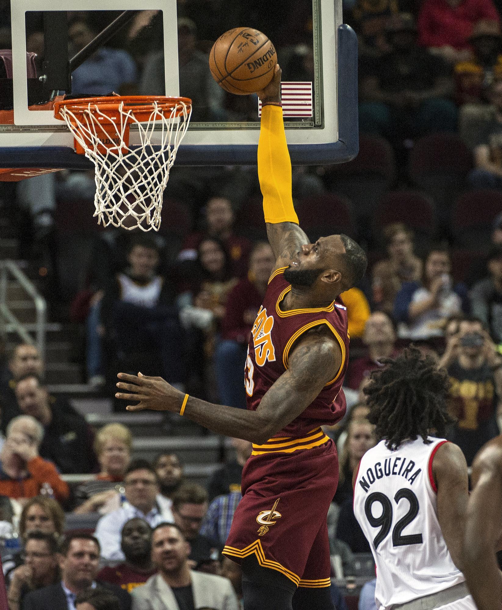 NBA Notes: LeBron Scores 28 As Cavs Edge Raptors 121-117