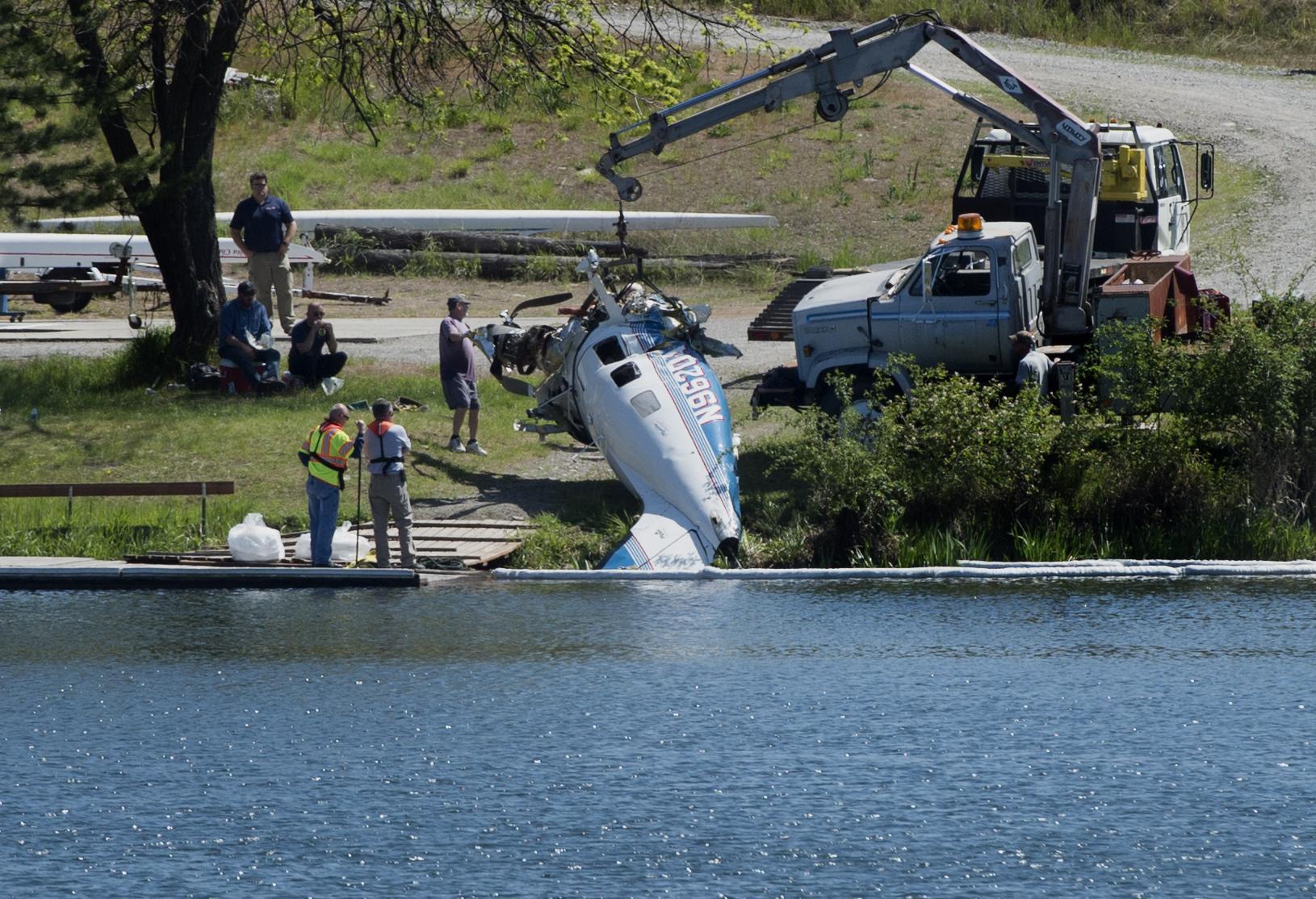 Widow of pilot killed in Felts Field crash sues airplane